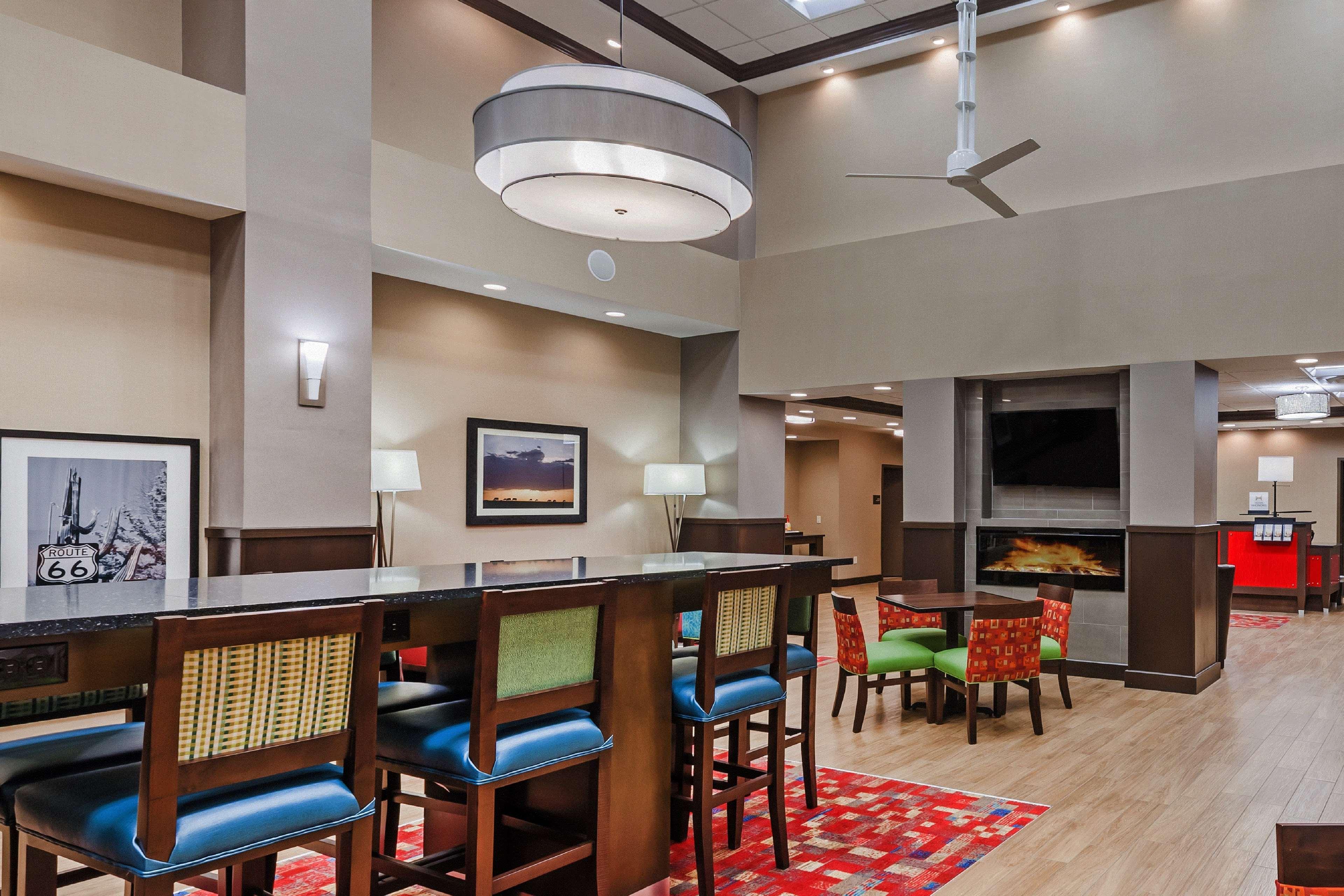 Hampton Inn & Suites Claremore image 4