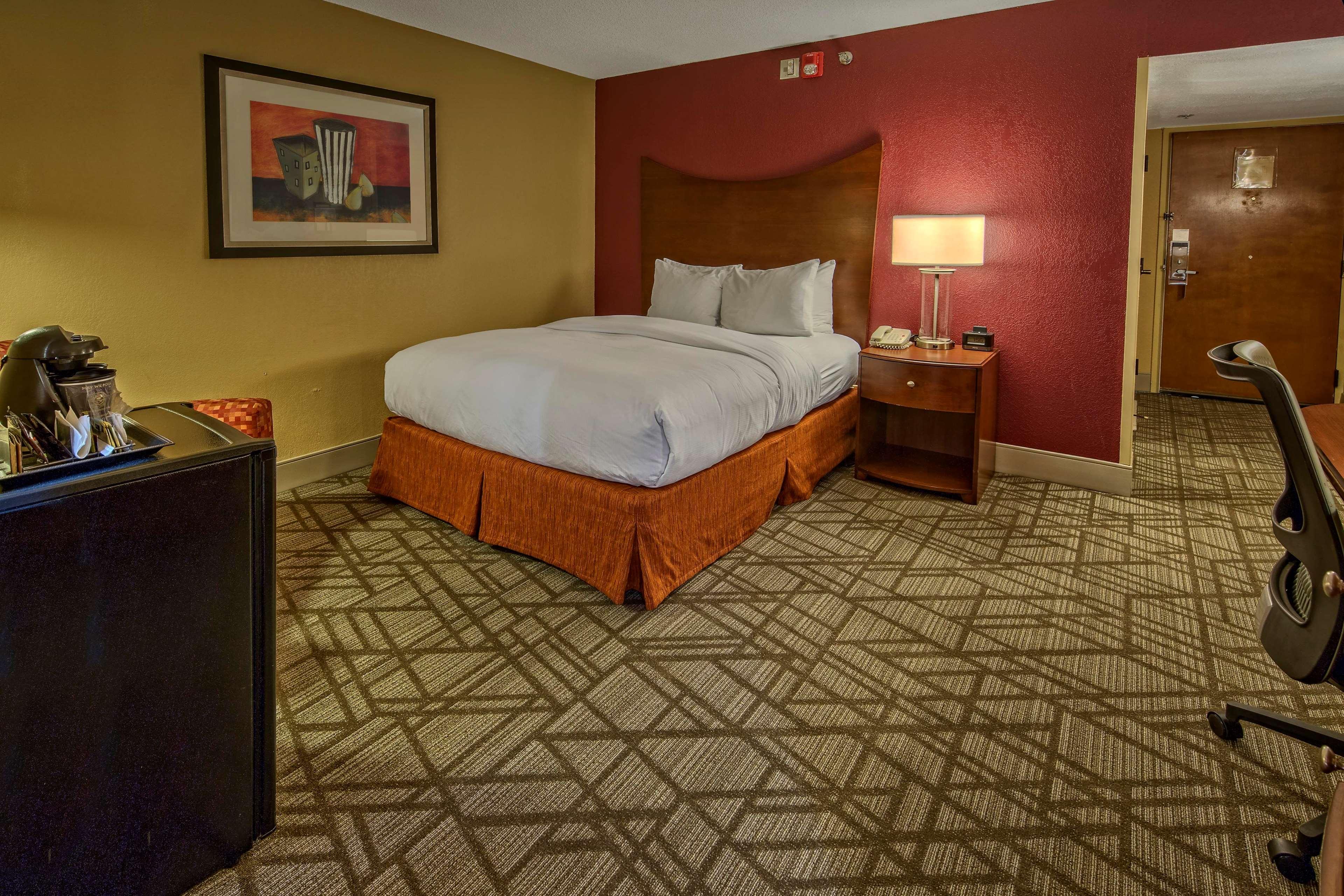 DoubleTree by Hilton Hotel Oak Ridge - Knoxville image 35