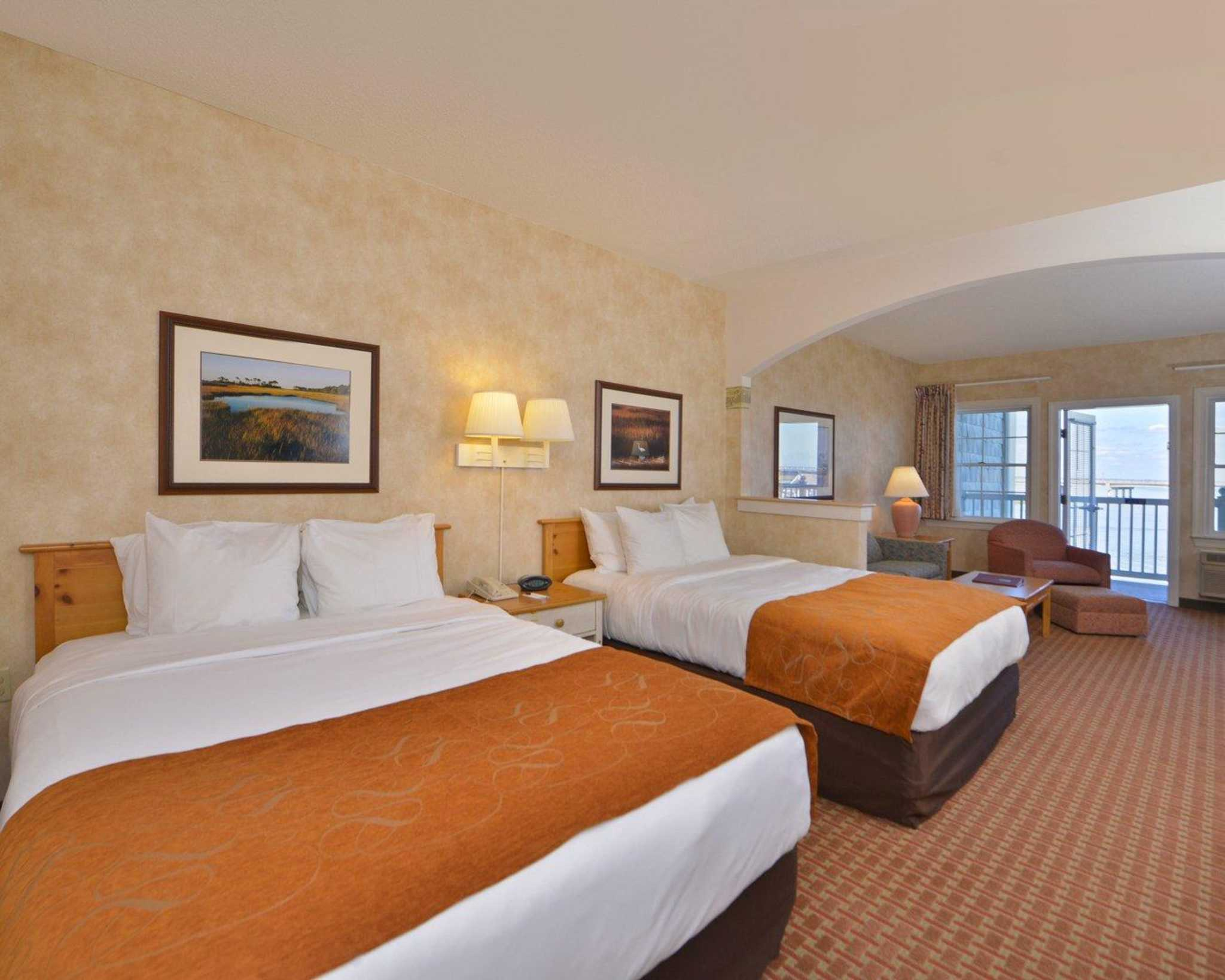 Comfort Suites image 13