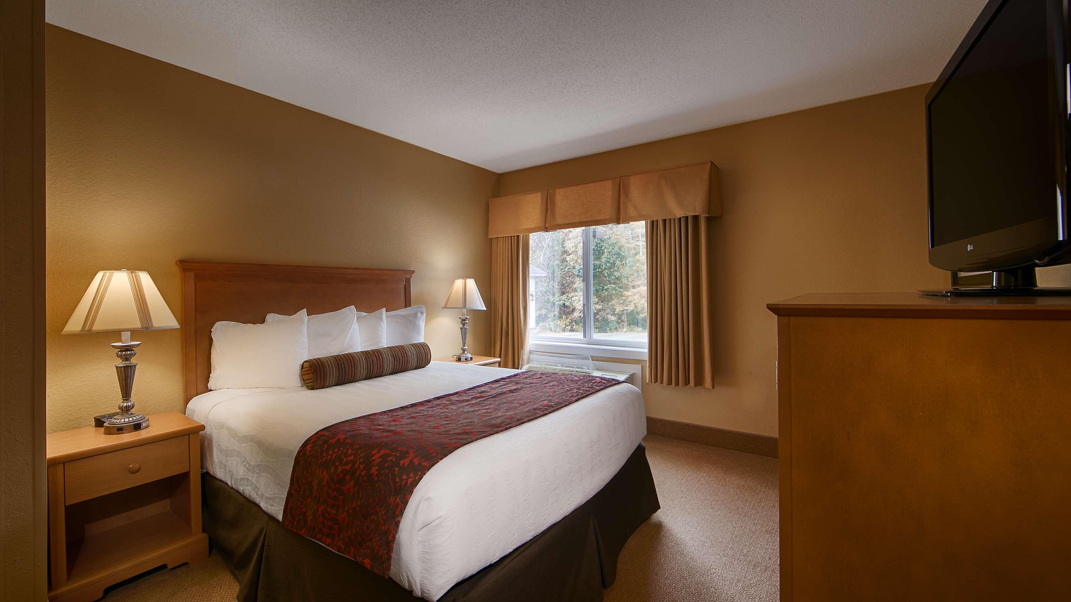 Best Western Plus Windjammer Inn & Conference Center image 28
