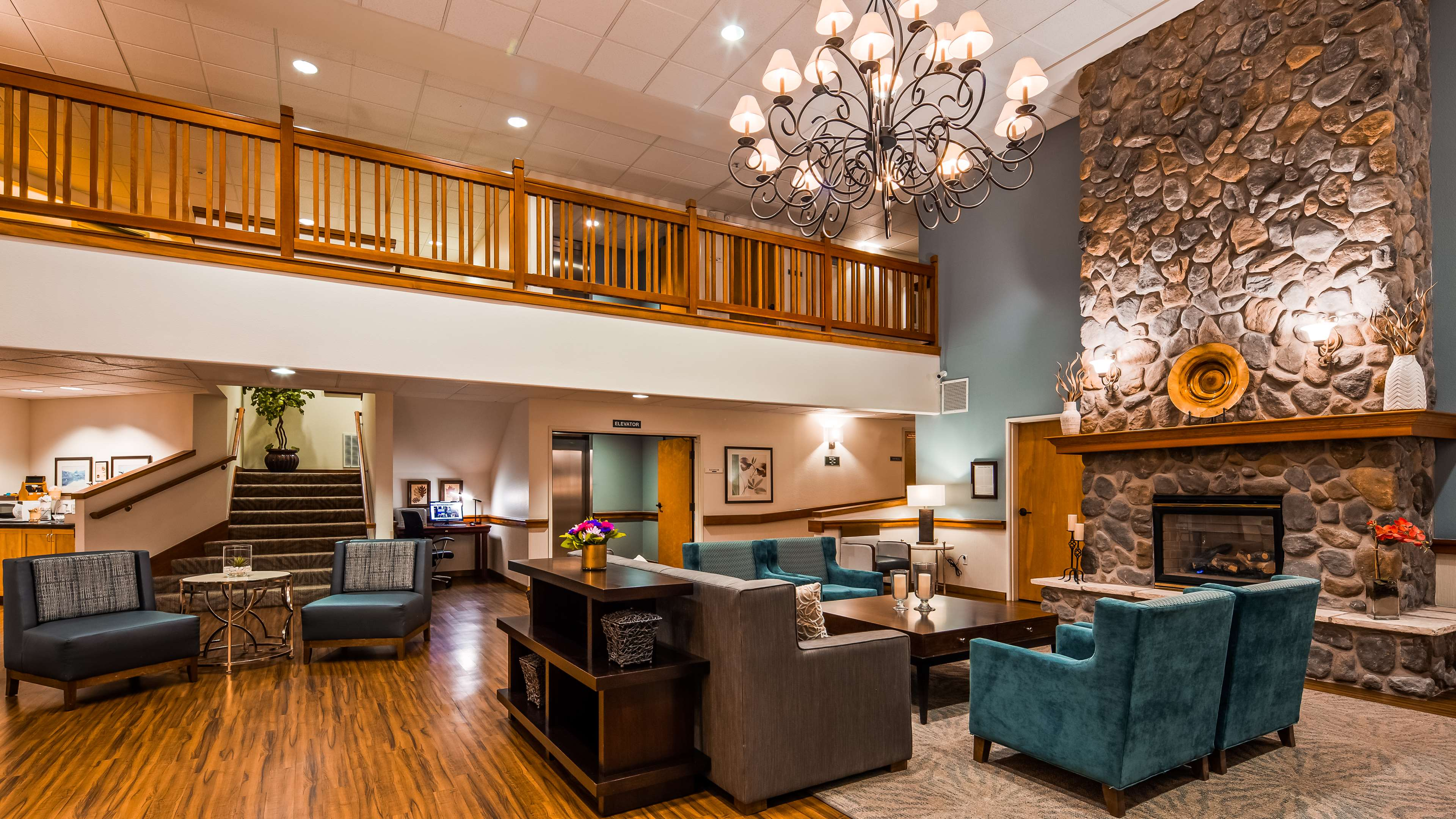 Best Western Plus Edmonds Harbor Inn image 3