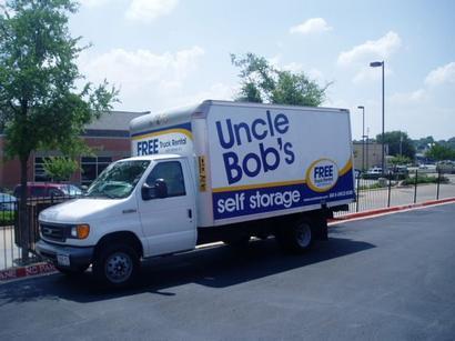 Uncle Bob S Self Storage In Arlington Tx 817 478 3500