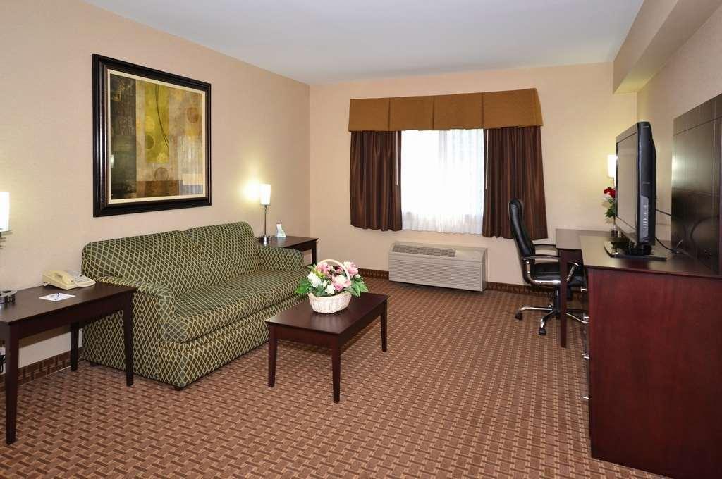 Best Western Concord Inn & Suites image 20