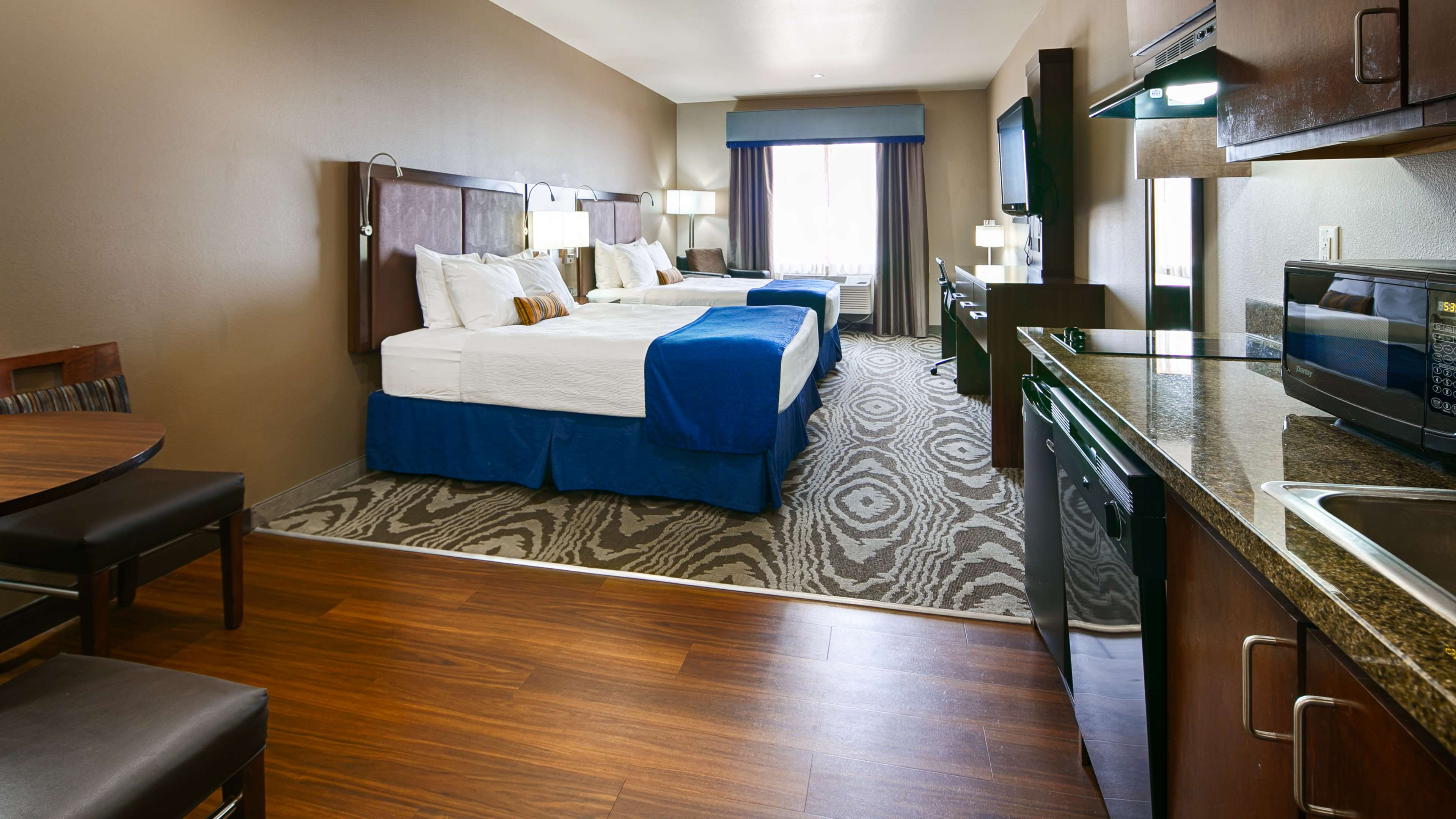 Best Western Plus Williston Hotel & Suites image 15