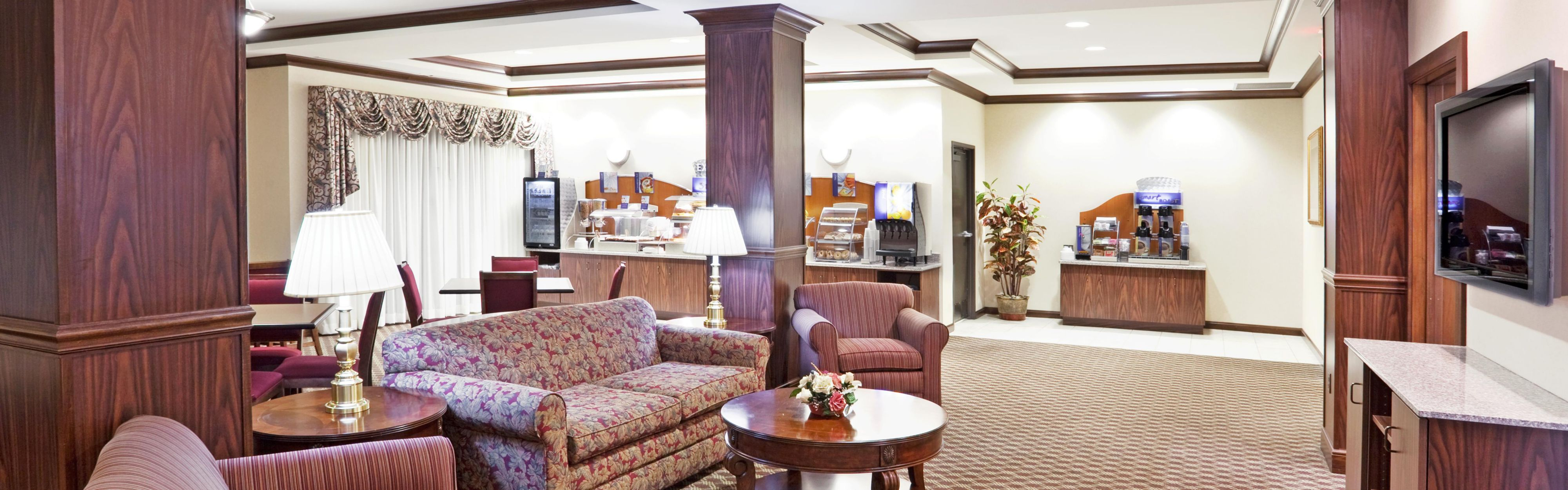 Holiday Inn Express & Suites Franklin - Oil City image 3