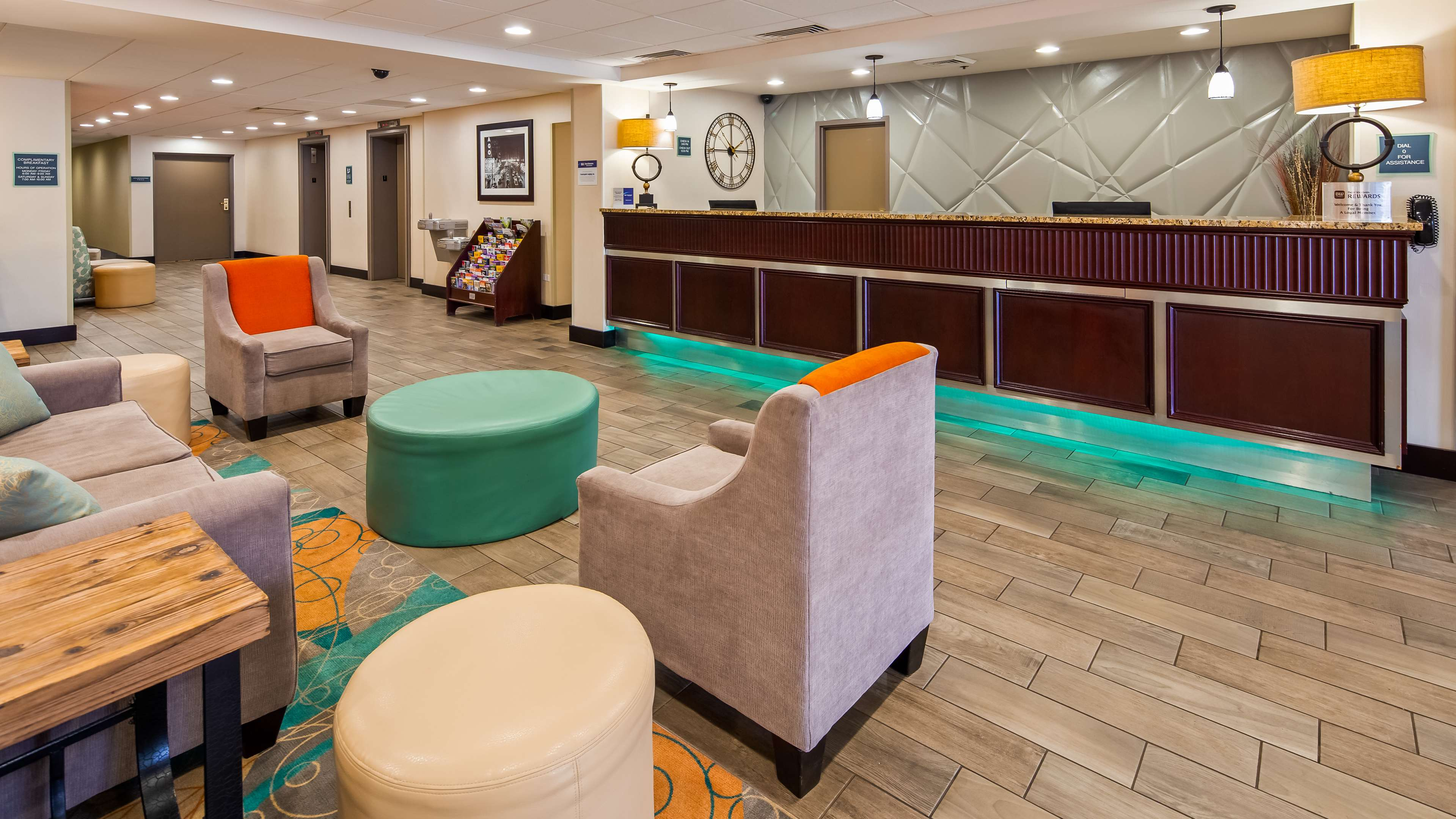 Best Western Plus Chicagoland - Countryside image 2