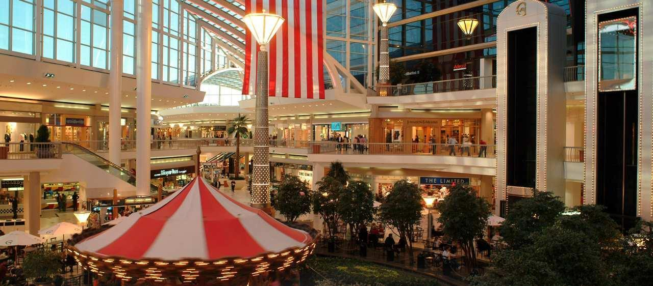 Embassy Suites by Hilton Birmingham Hoover image 8