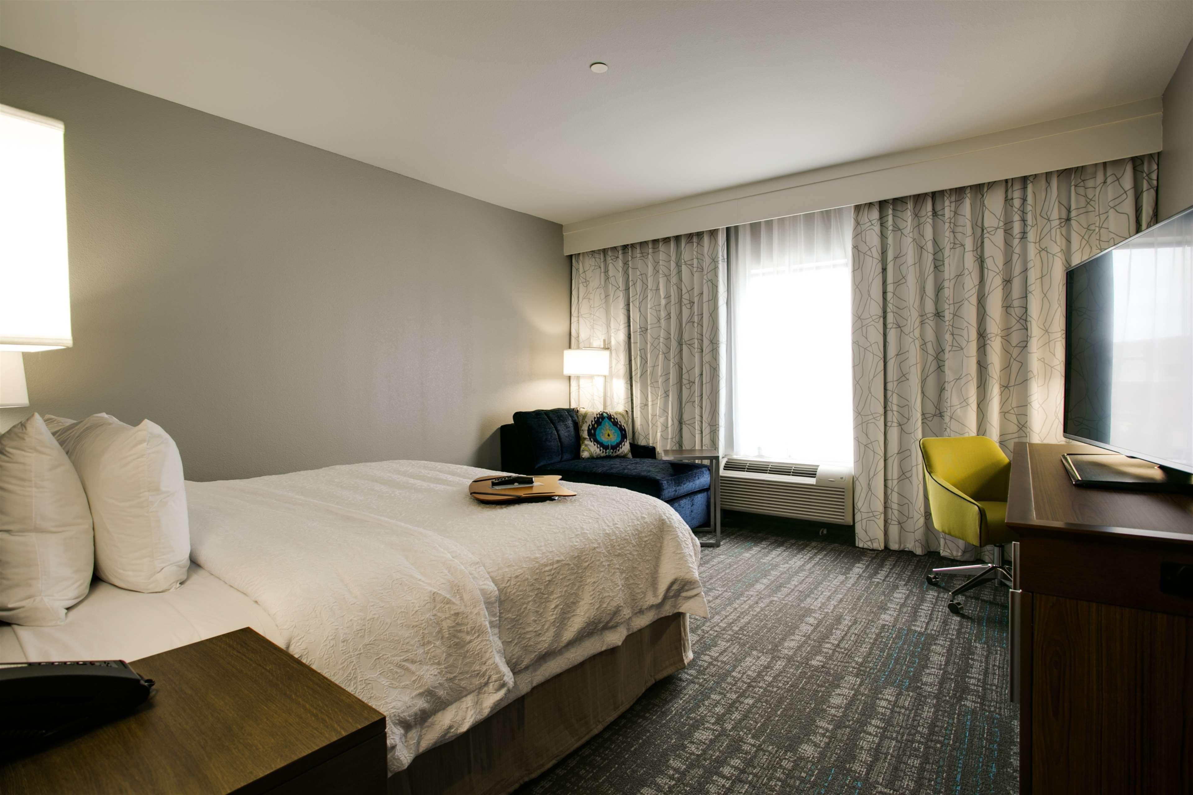 Hampton Inn & Suites Dallas/Ft. Worth Airport South image 26