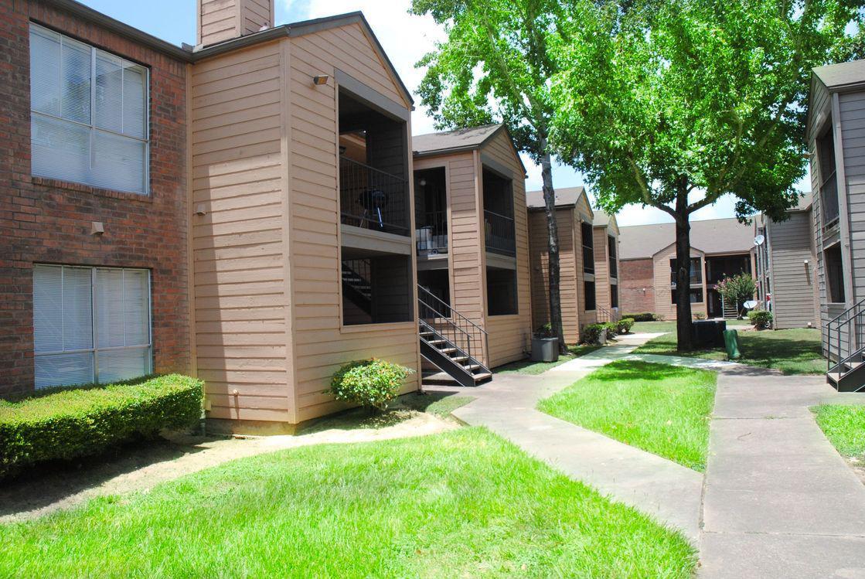 Nichols Square Apartments image 4