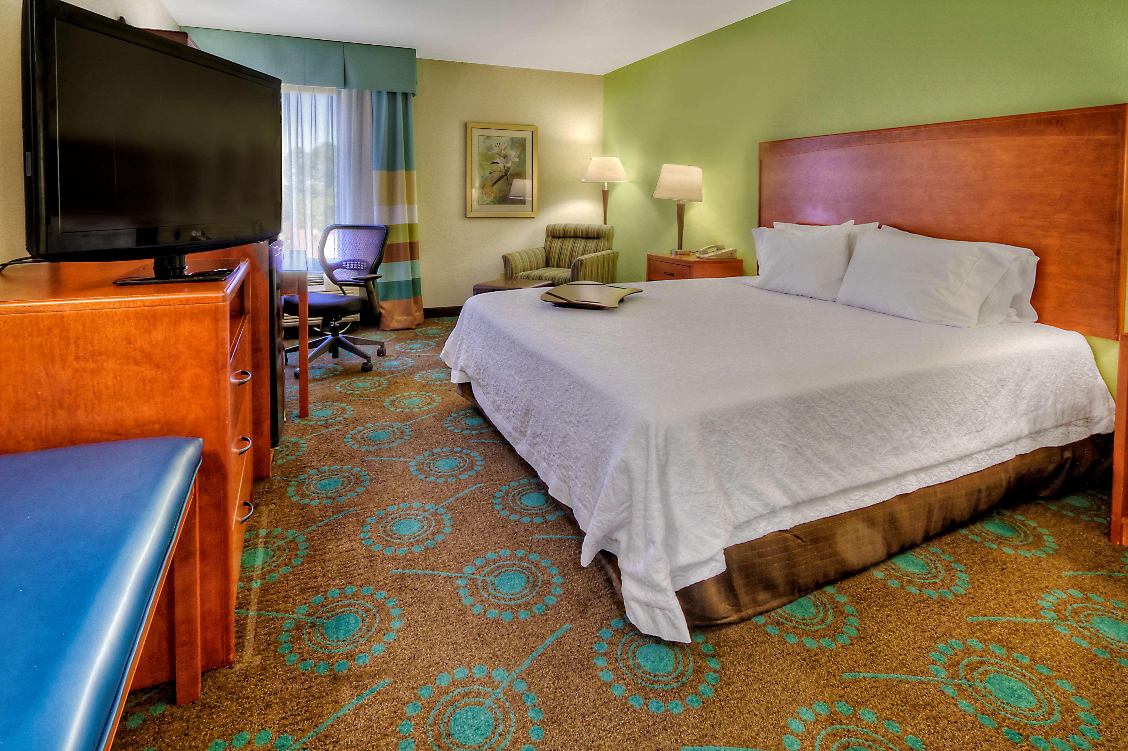 Hampton Inn Goldsboro image 39