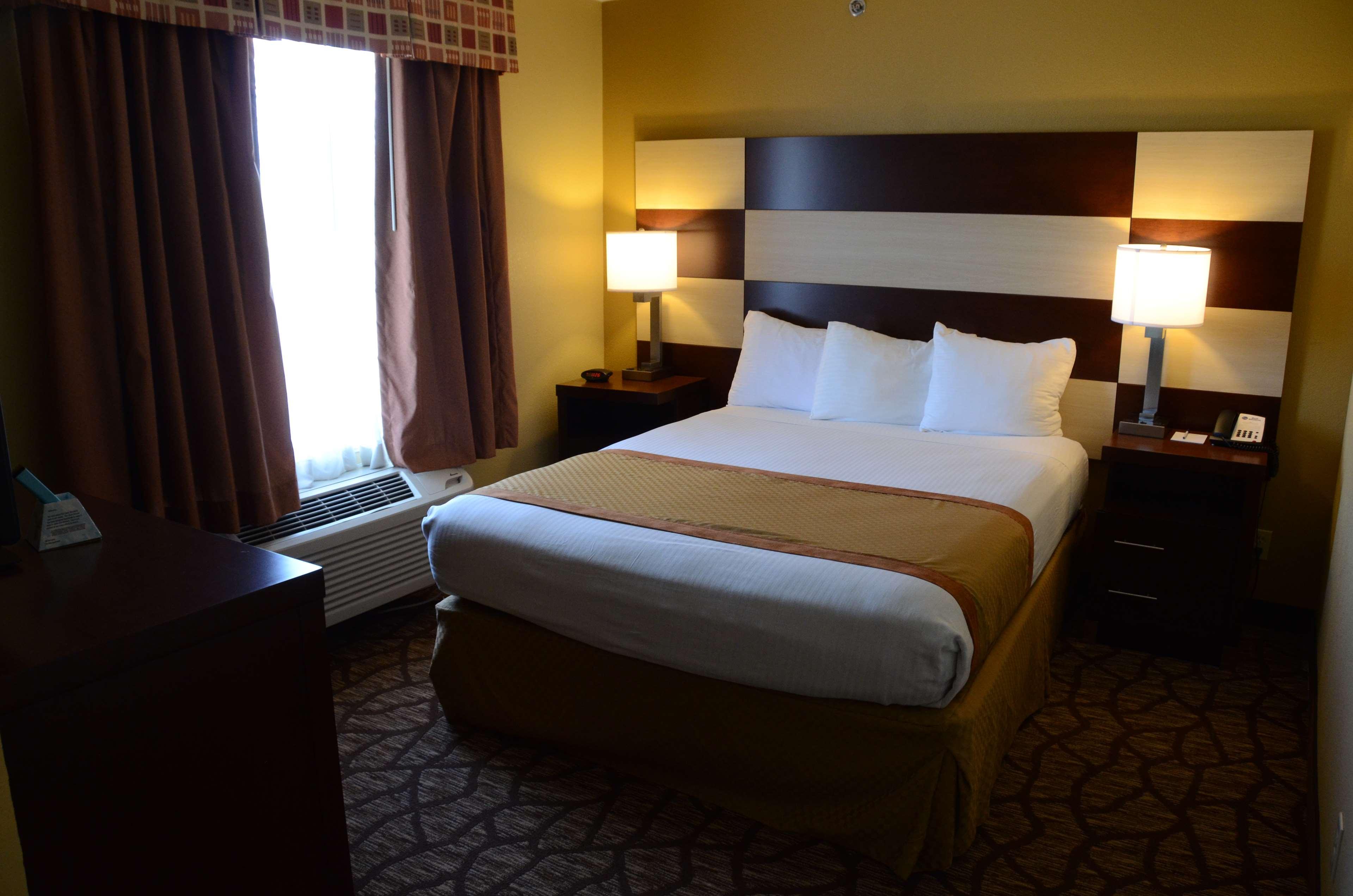 Best Western Joliet Inn & Suites image 19