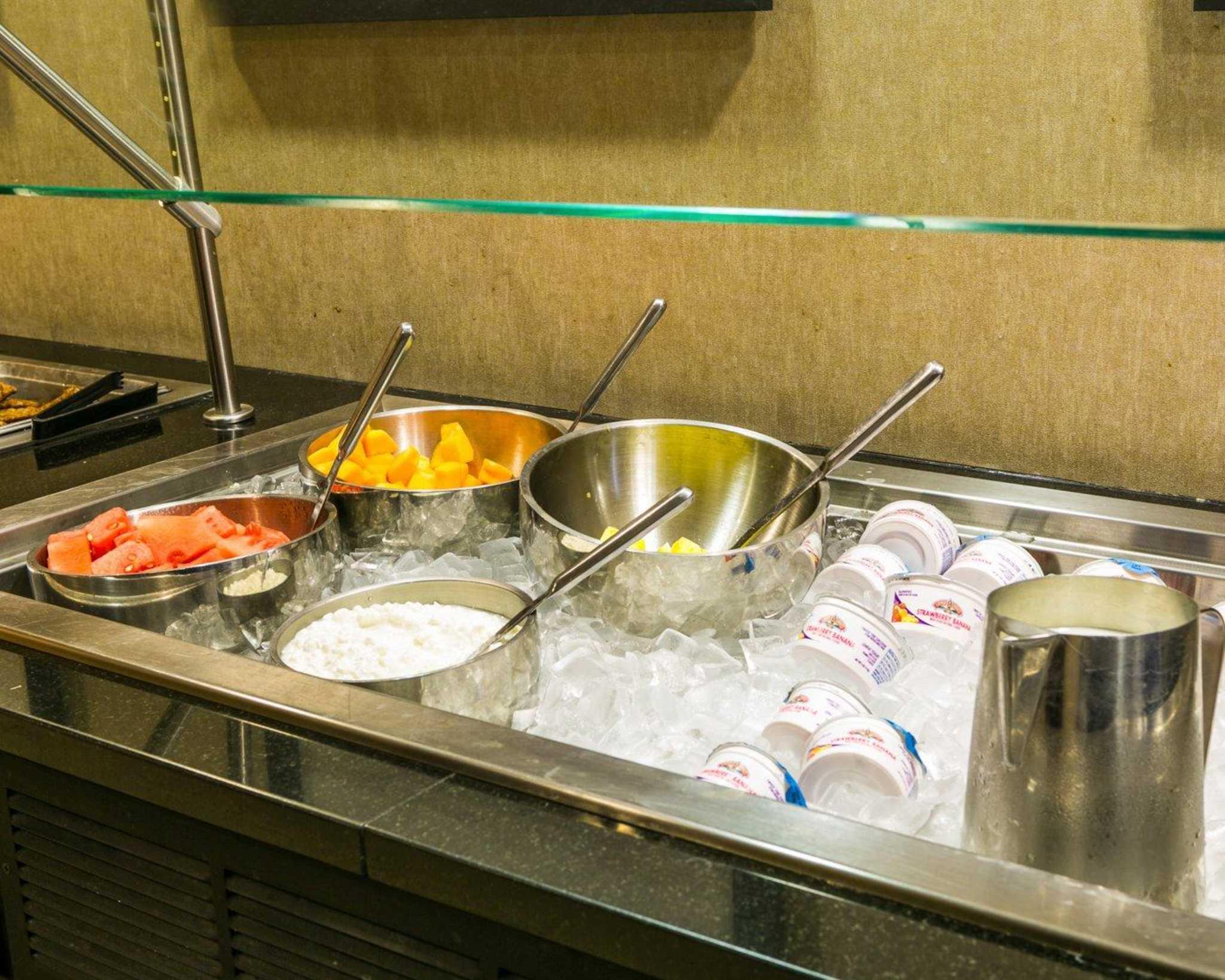 Cambria Hotel Denver International Airport image 35