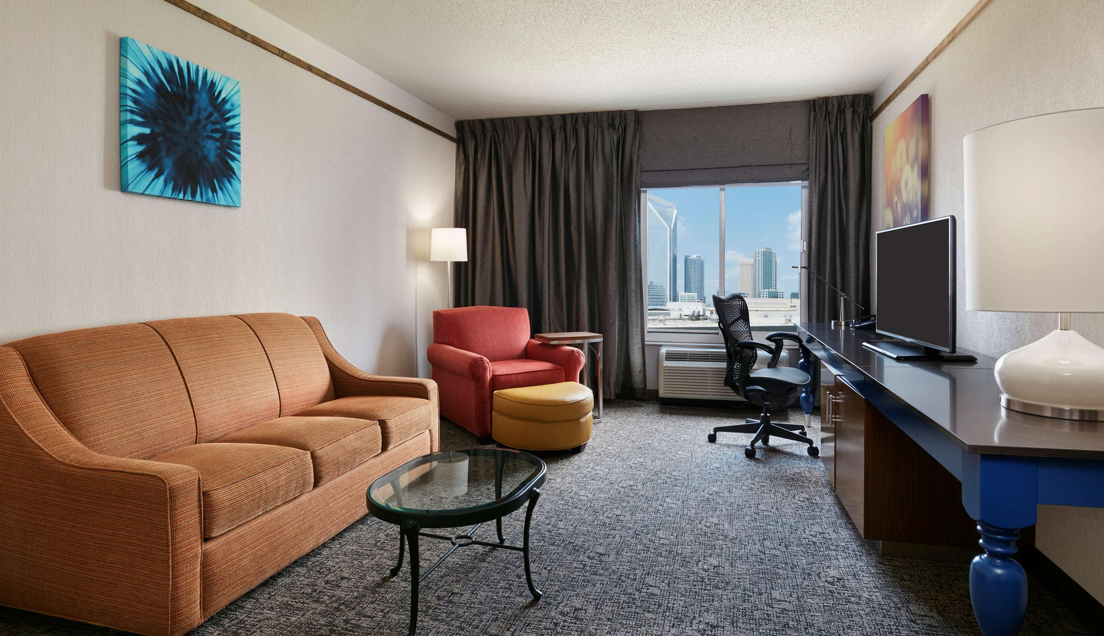 Hilton Garden Inn Charlotte Uptown image 28