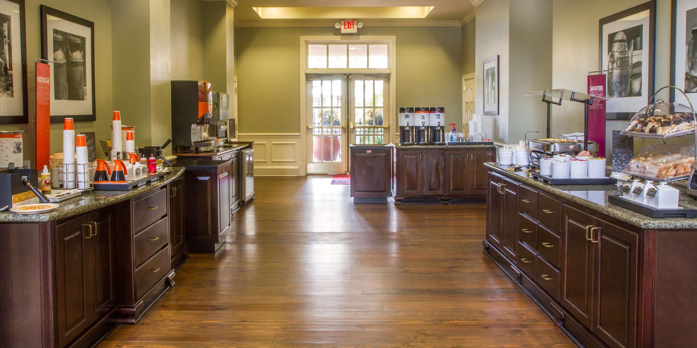 Hampton Inn & Suites Savannah Historic District image 24