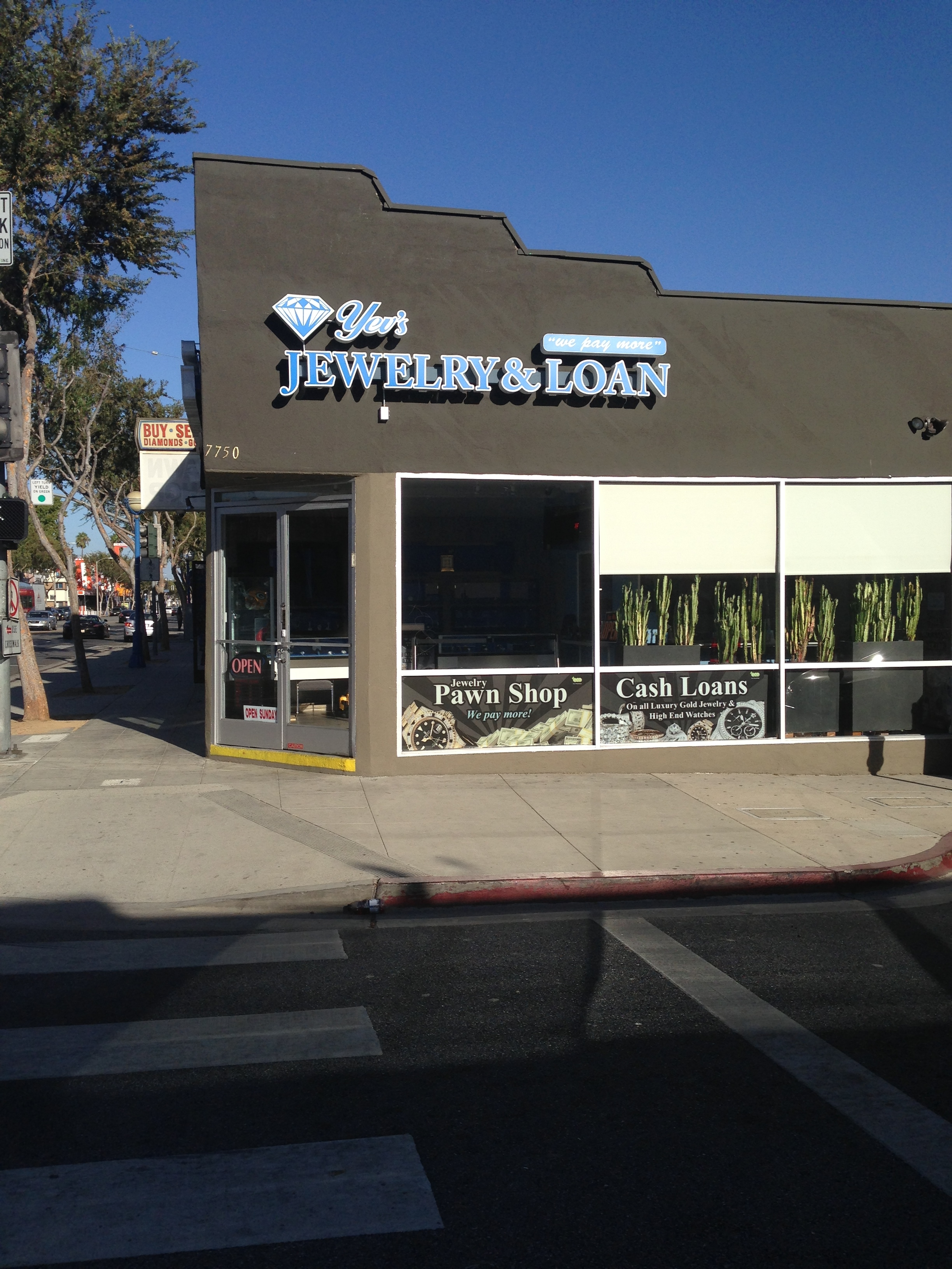 Yev 39 s jewelry loan pawn shop coupons near me in west for Local jewelry stores near me