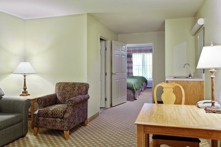 Country Inn & Suites by Radisson, Galena, IL image 3