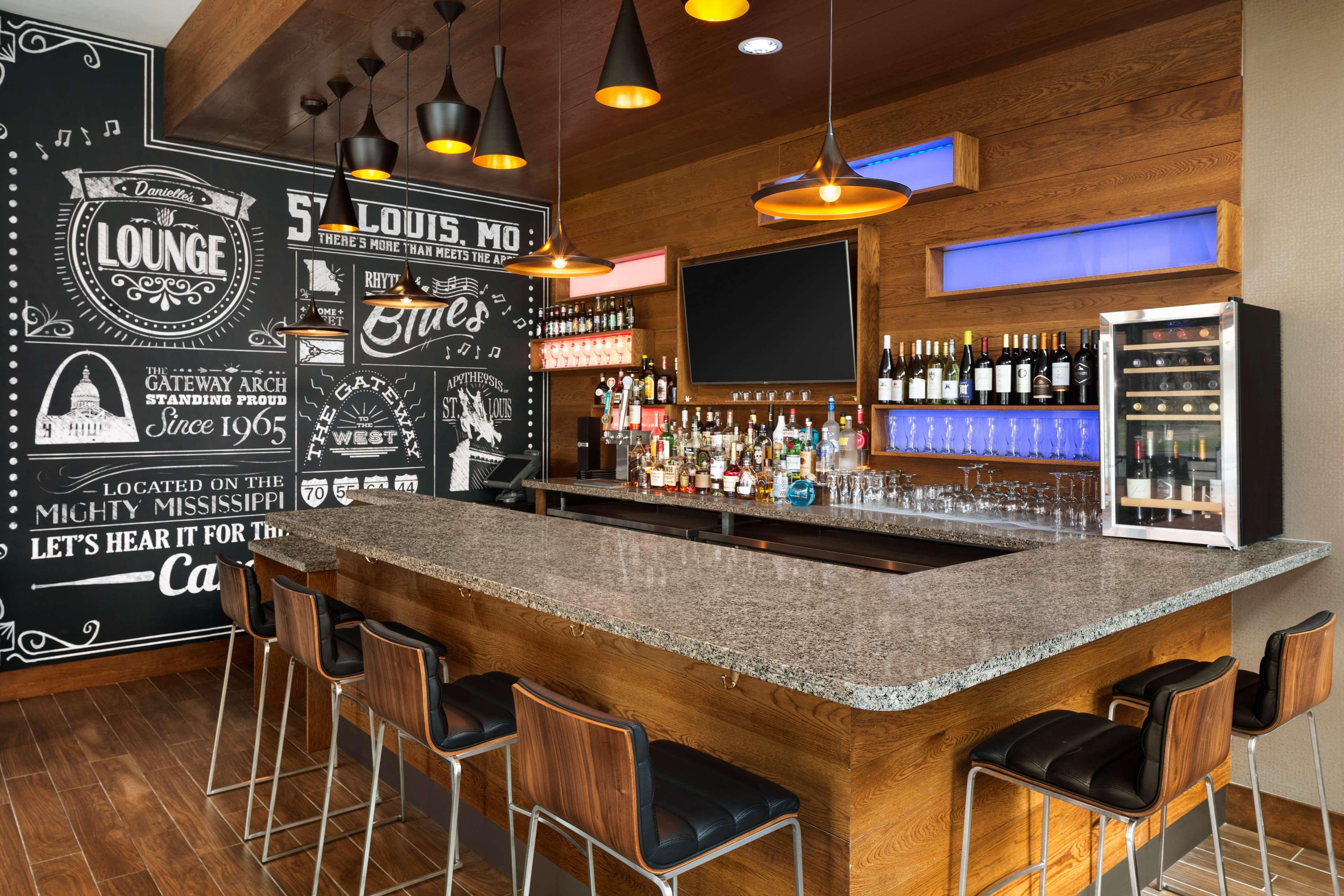 Hampton Inn and Suites Clayton/St Louis-Galleria Area image 32