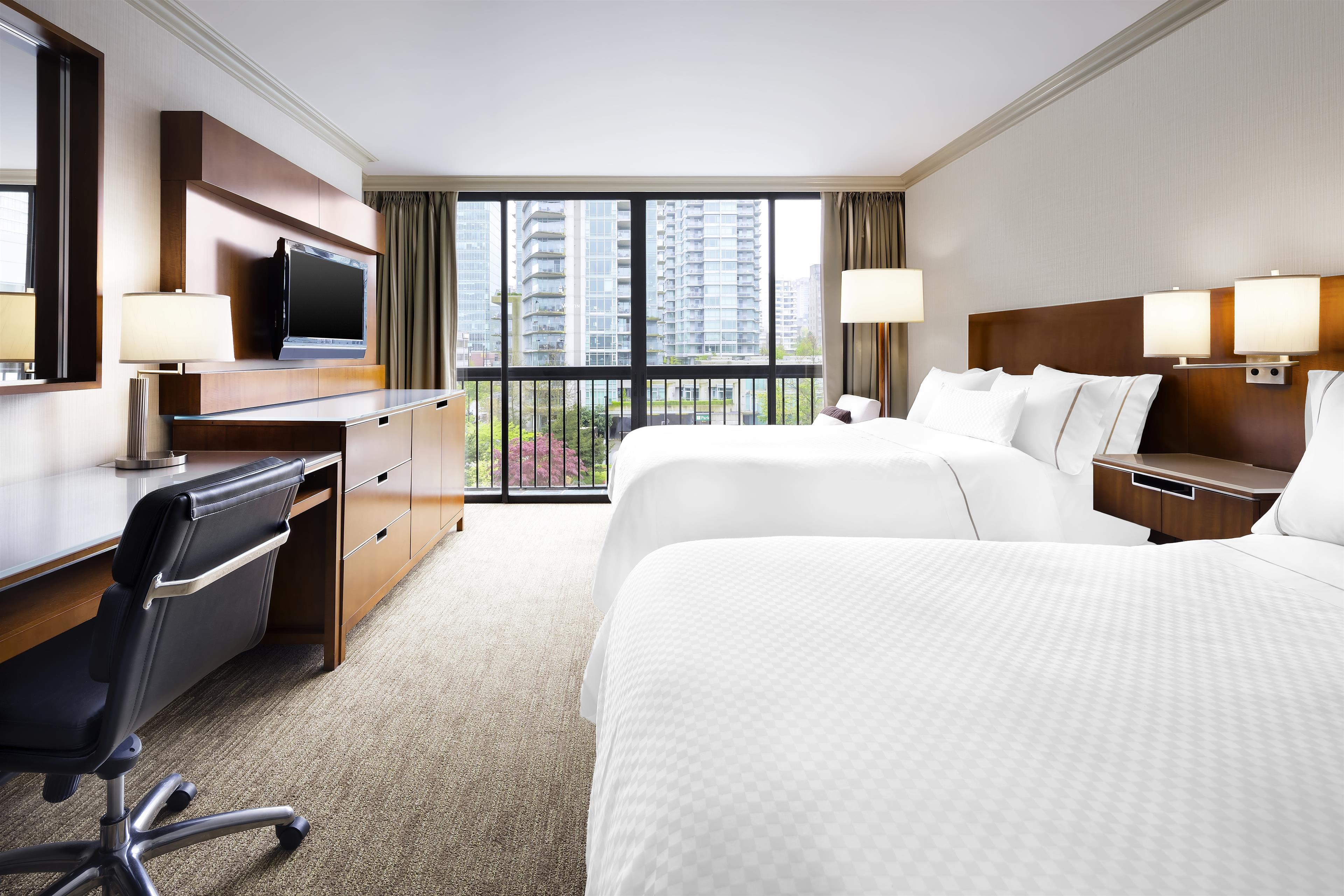 The Westin Bayshore, Vancouver in Vancouver: Traditional Double Room City View