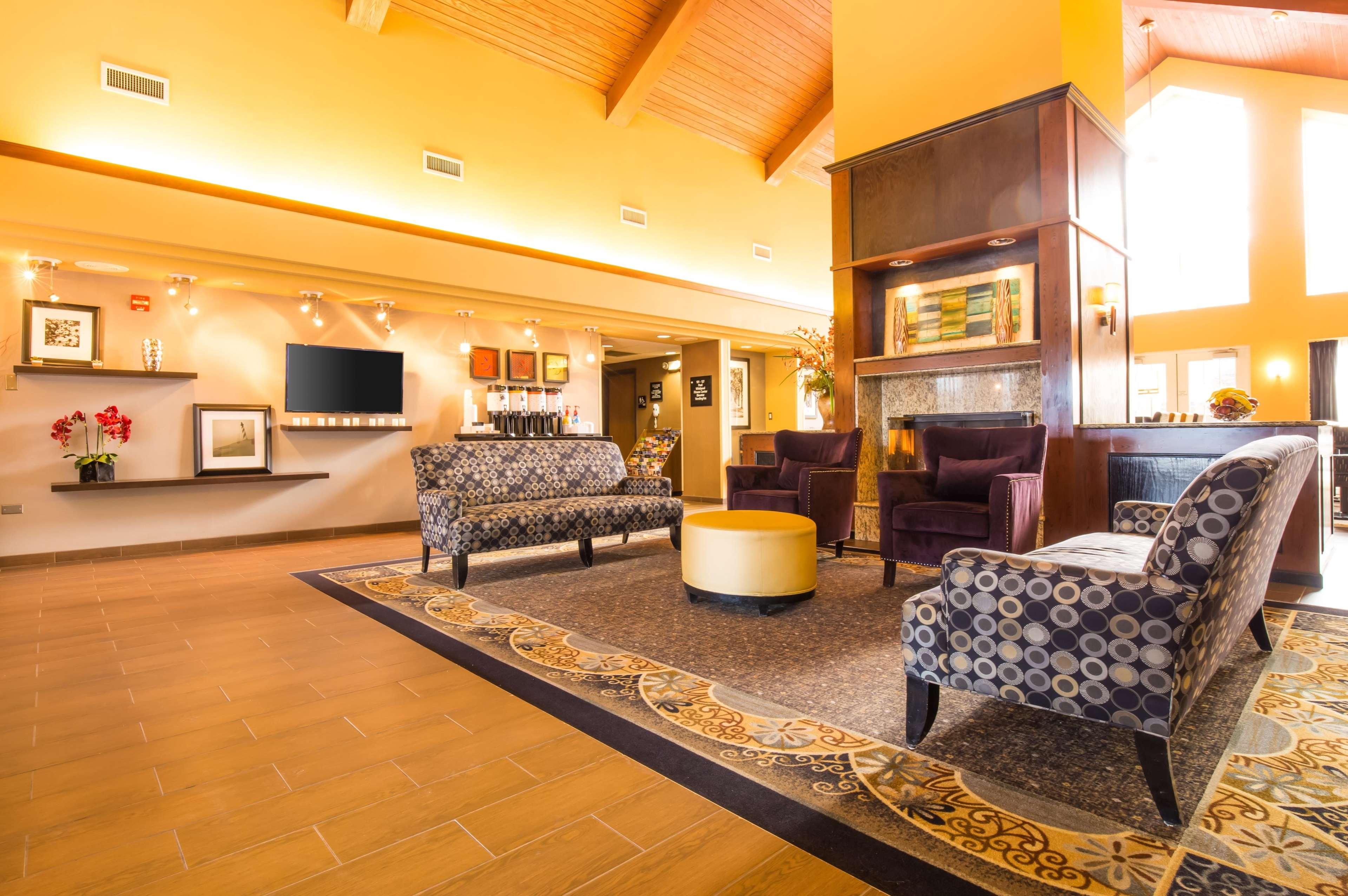 Hampton Inn & Suites Chicago/Hoffman Estates image 23