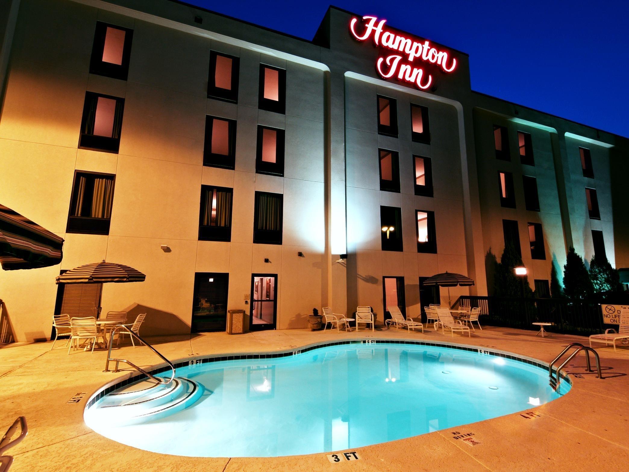Hampton Inn Morganton image 2
