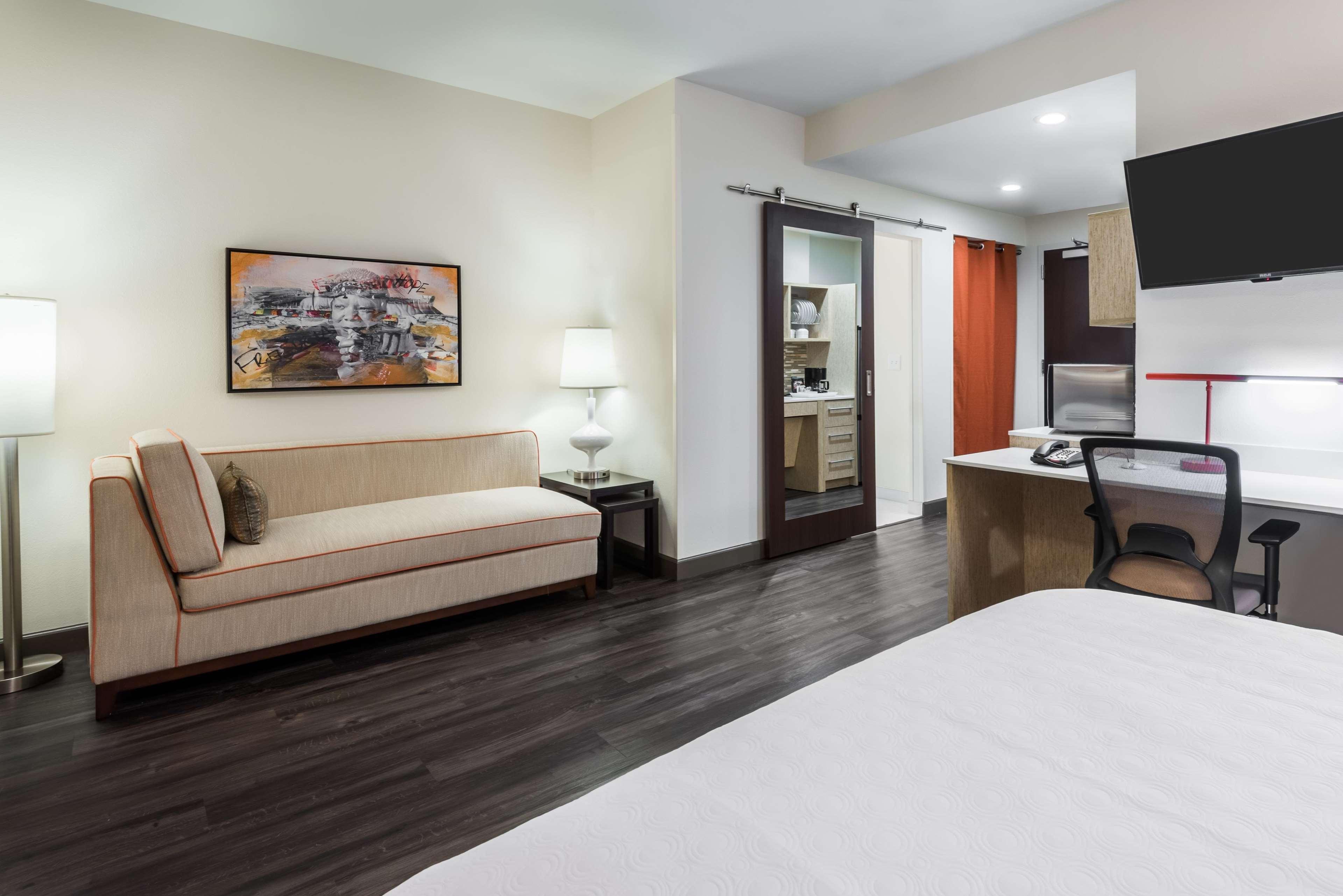 Home2 Suites by Hilton Atlanta Downtown image 0