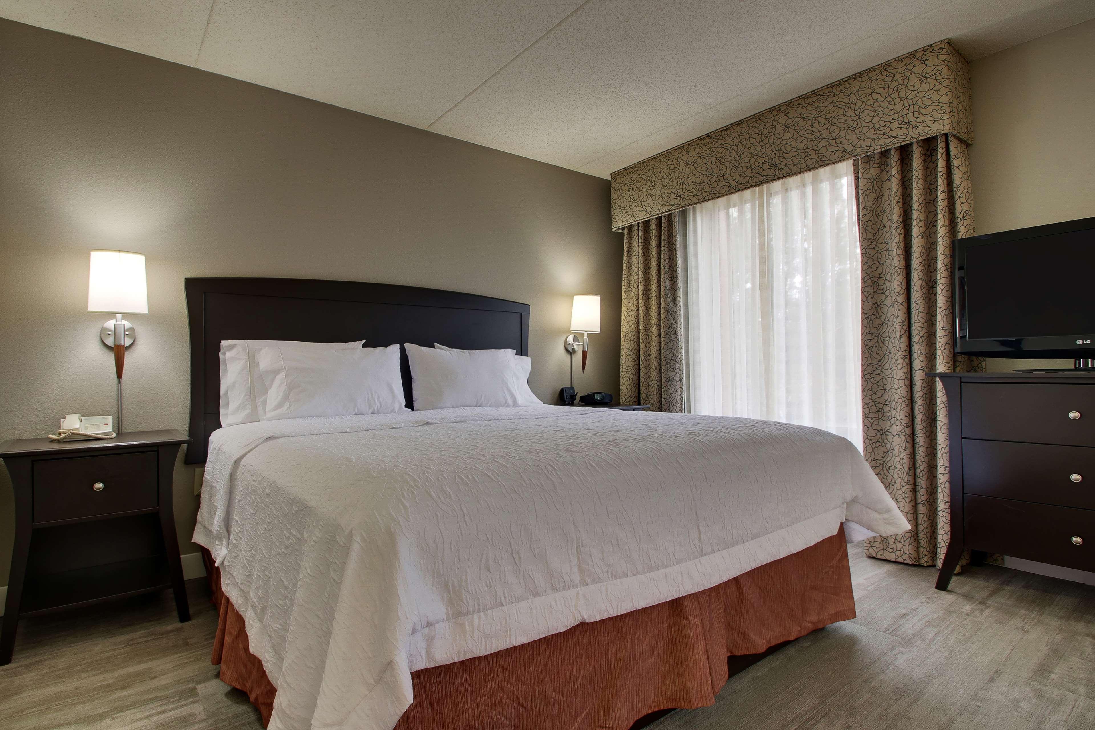 Hampton Inn & Suites Spartanburg-I-26-Westgate Mall image 18
