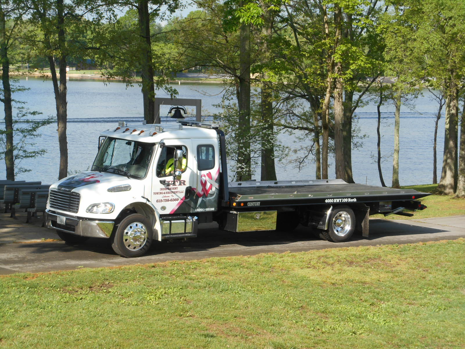 Independent Towing and Recovery LLC image 4