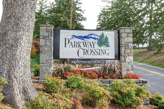 Parkway Crossing Apartments image 0