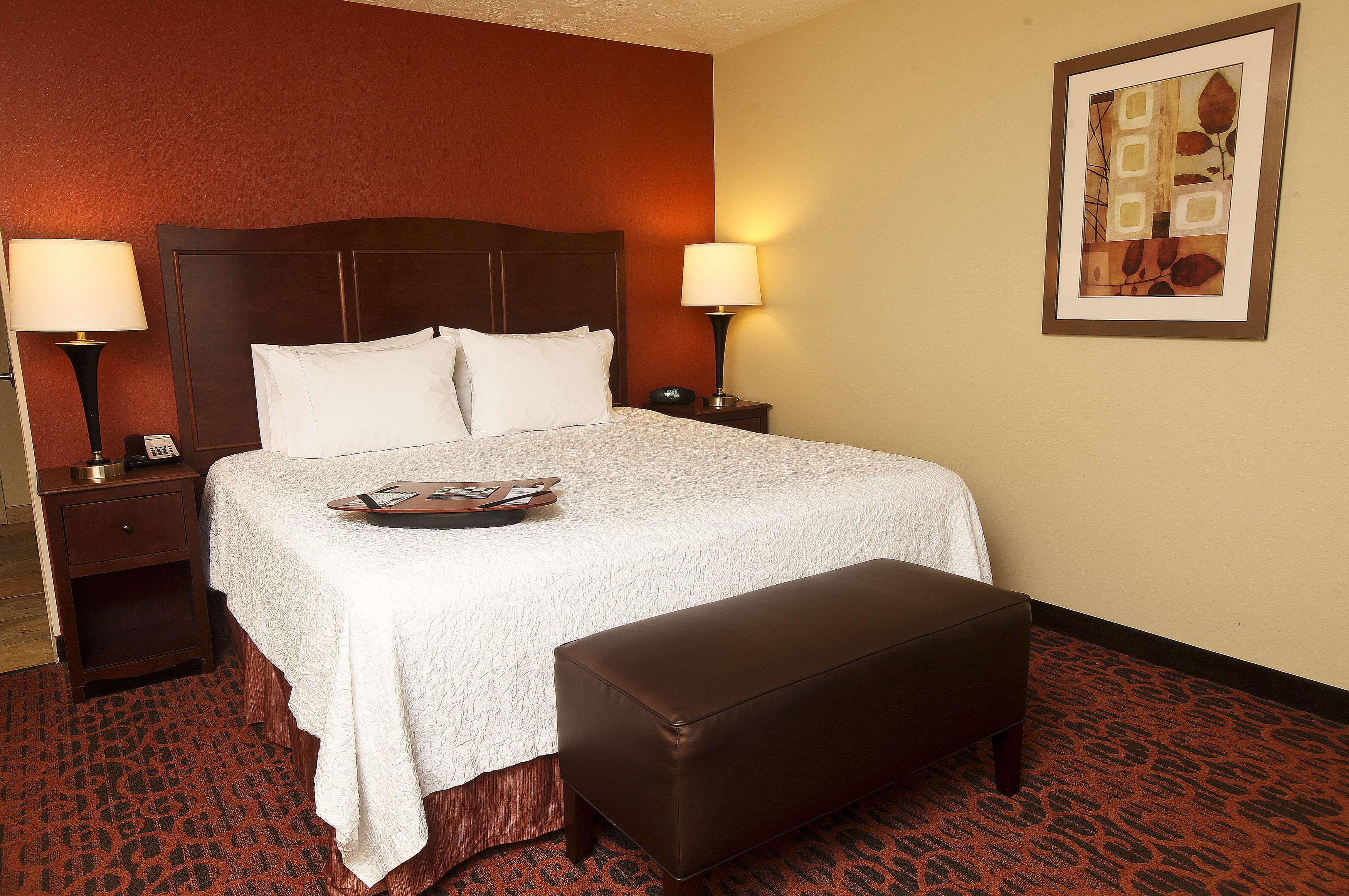 Hampton Inn & Suites Fargo image 22