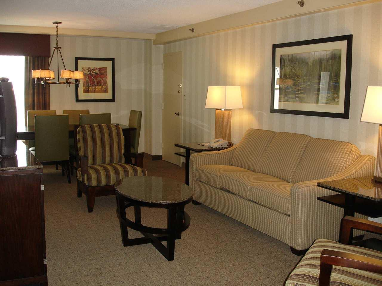 DoubleTree by Hilton Hotel Wilmington image 5