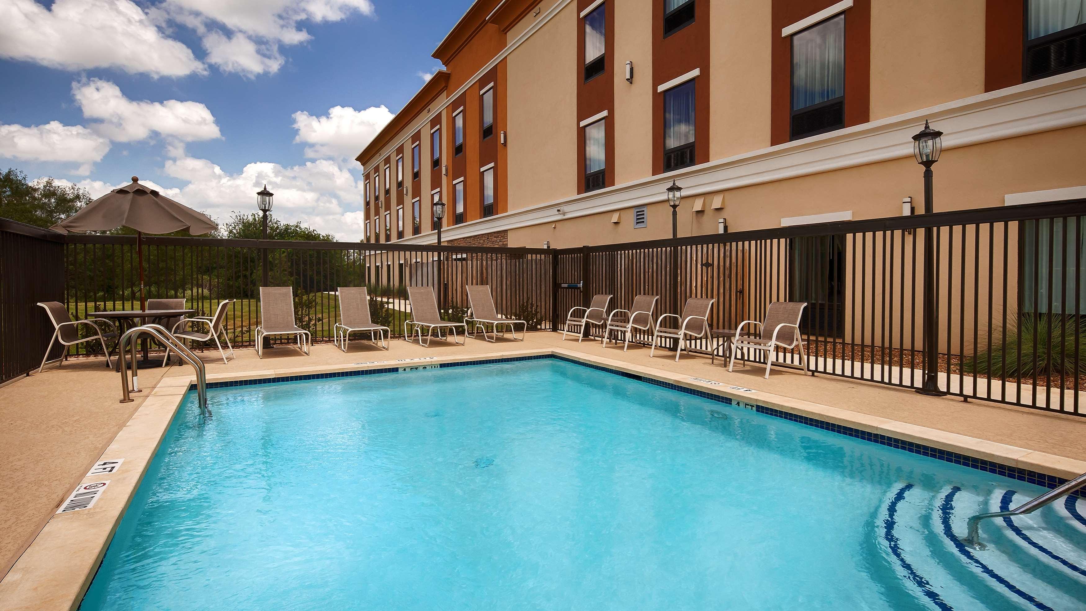 Best Western Plus Elmendorf Hotel image 18