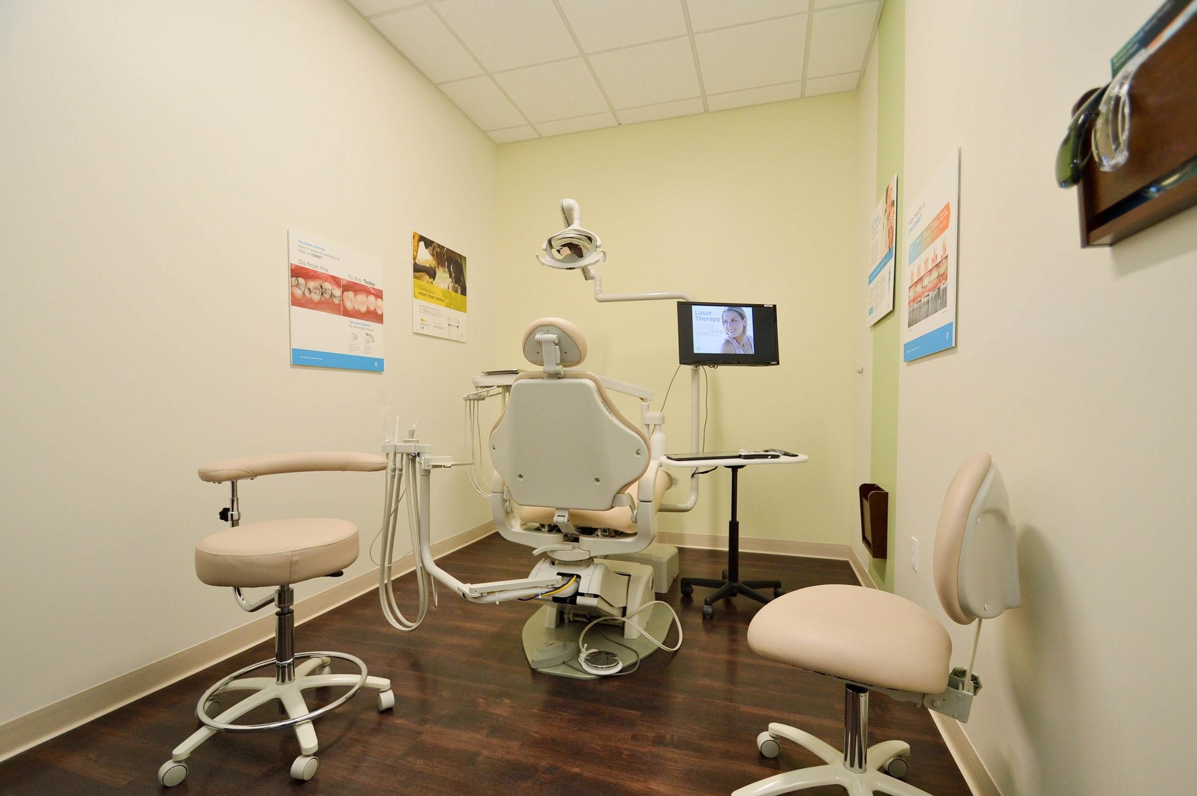 Dentists of El Cerrito Plaza image 9