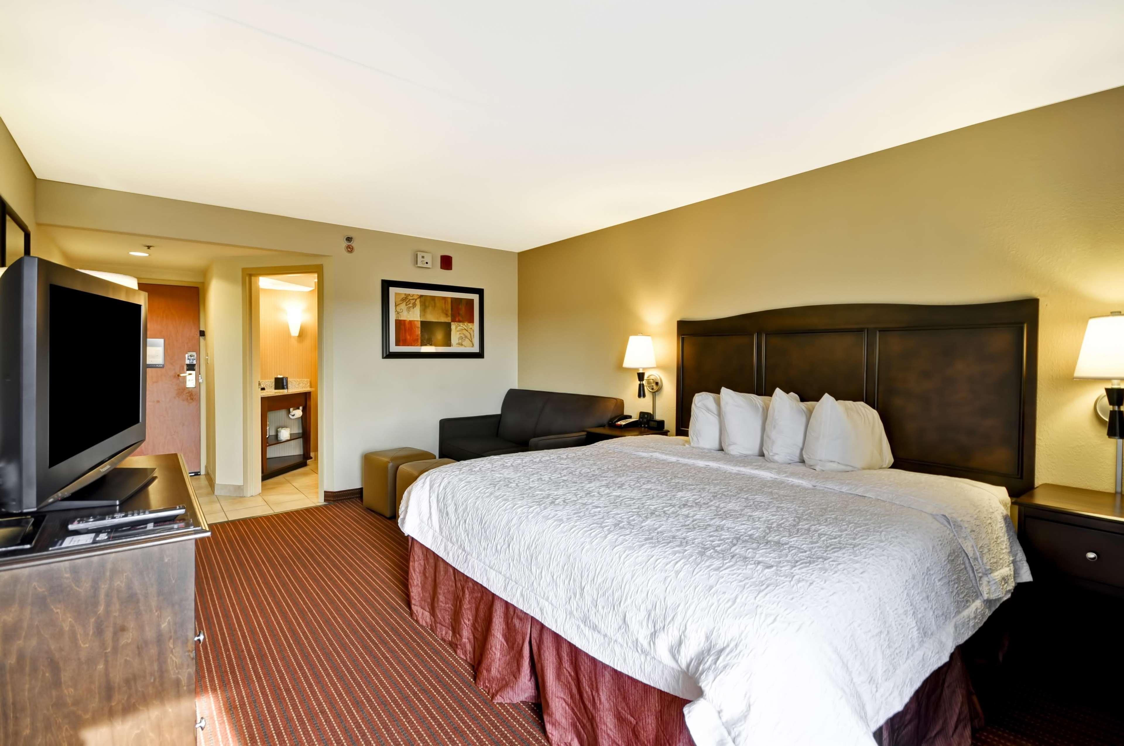 Hampton Inn Kansas City/Overland Park image 42