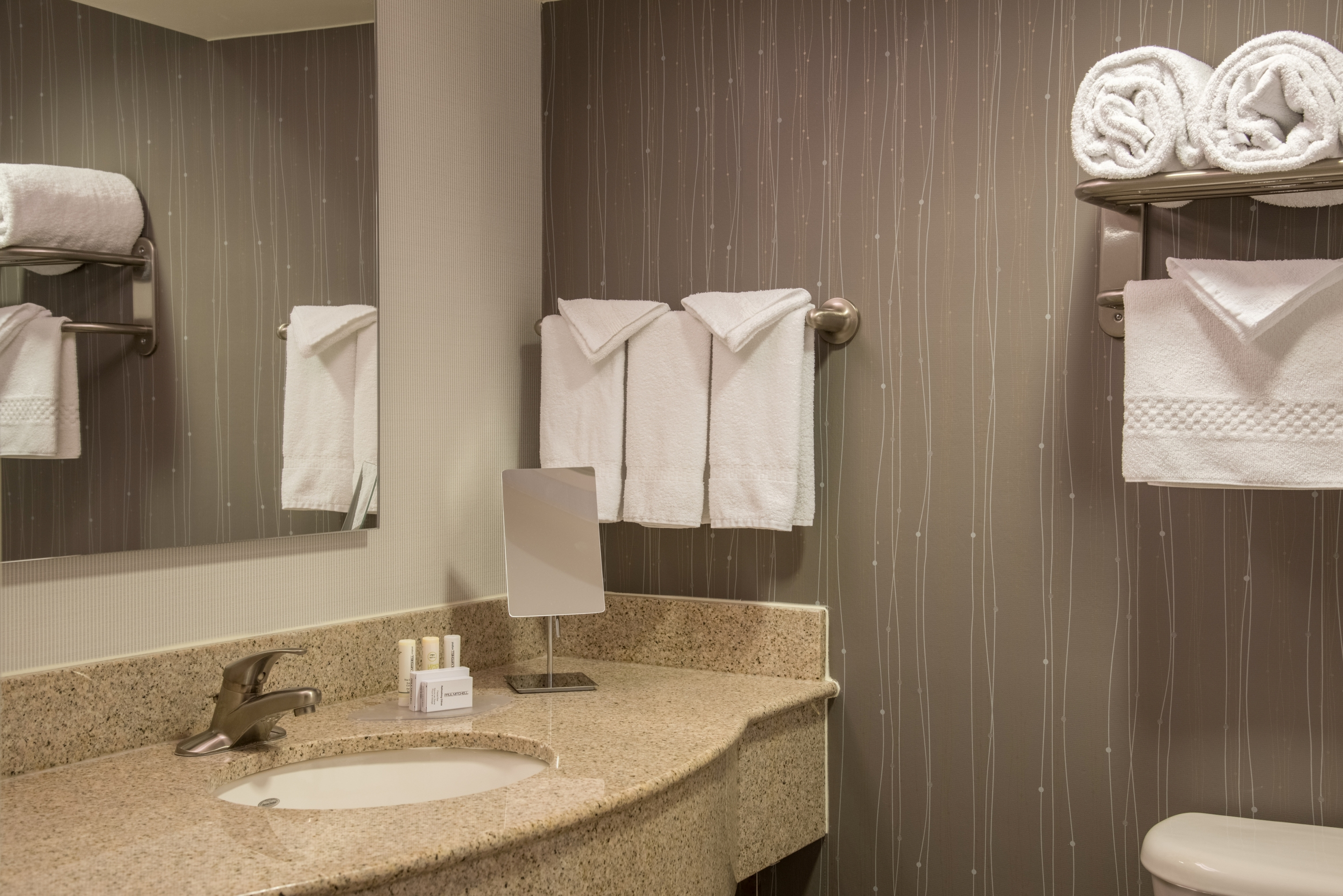 Courtyard by Marriott Chapel Hill image 3
