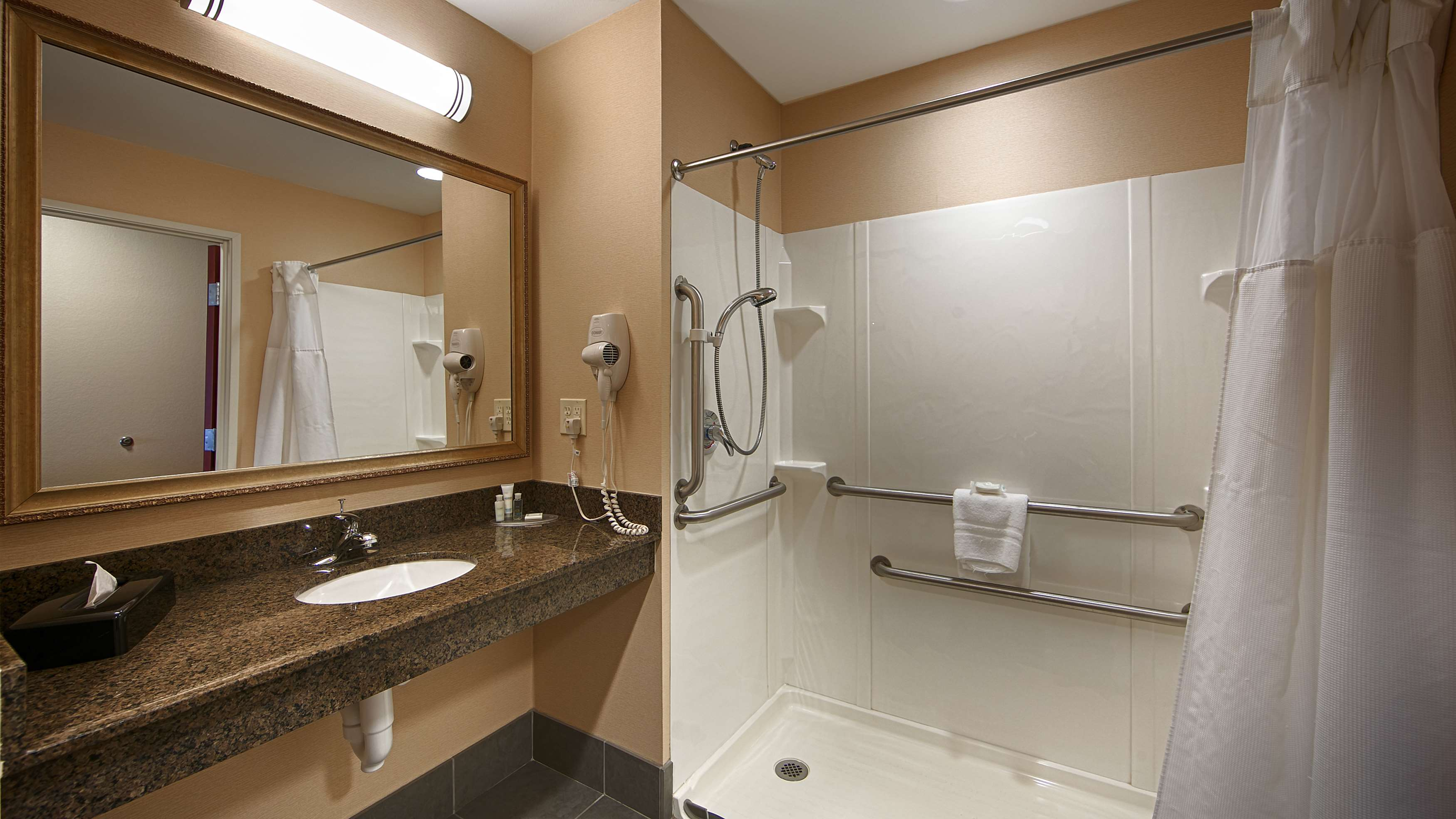 Best Western Plus Fossil Country Inn & Suites image 18