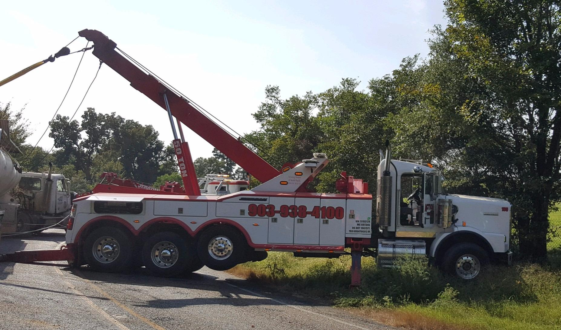 Action Towing image 0