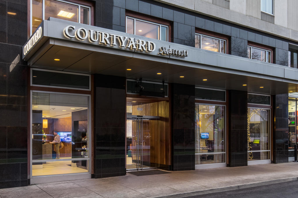 Courtyard by Marriott Portland City Center image 10