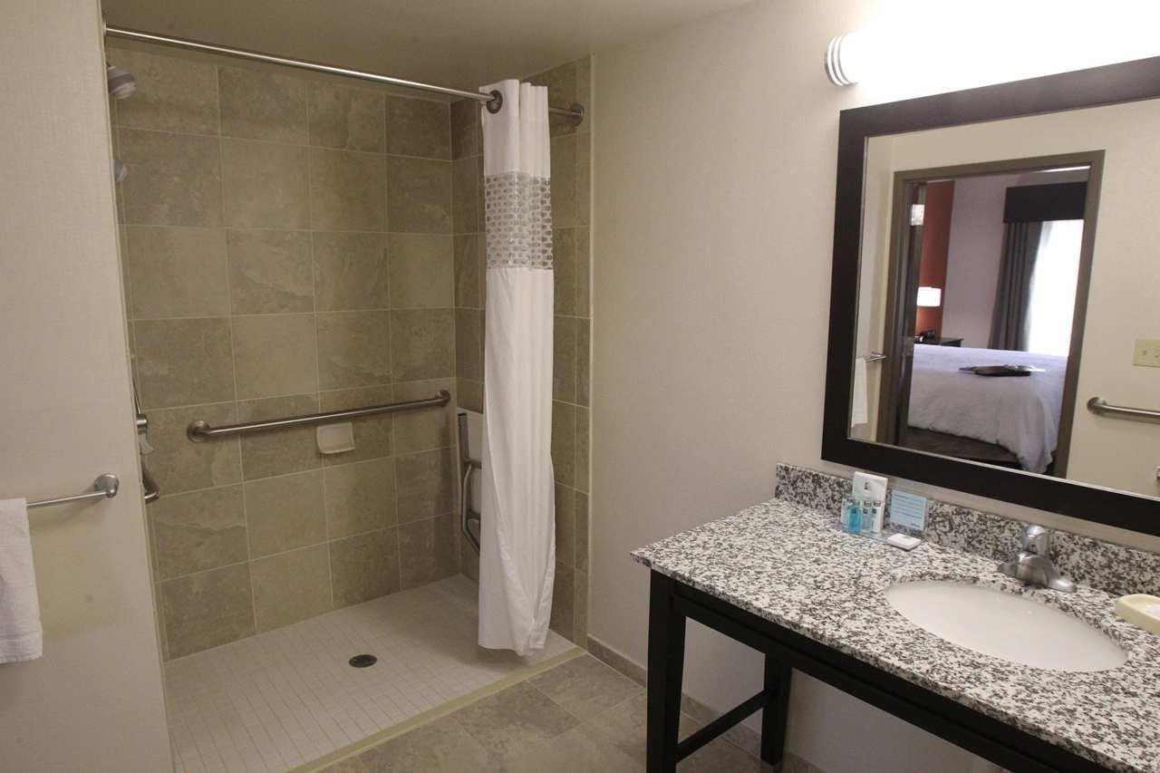 Hampton Inn & Suites Seneca-Clemson Area image 19