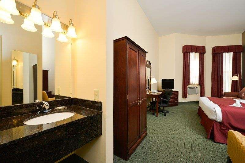 Best Western The Hotel Chequamegon image 14