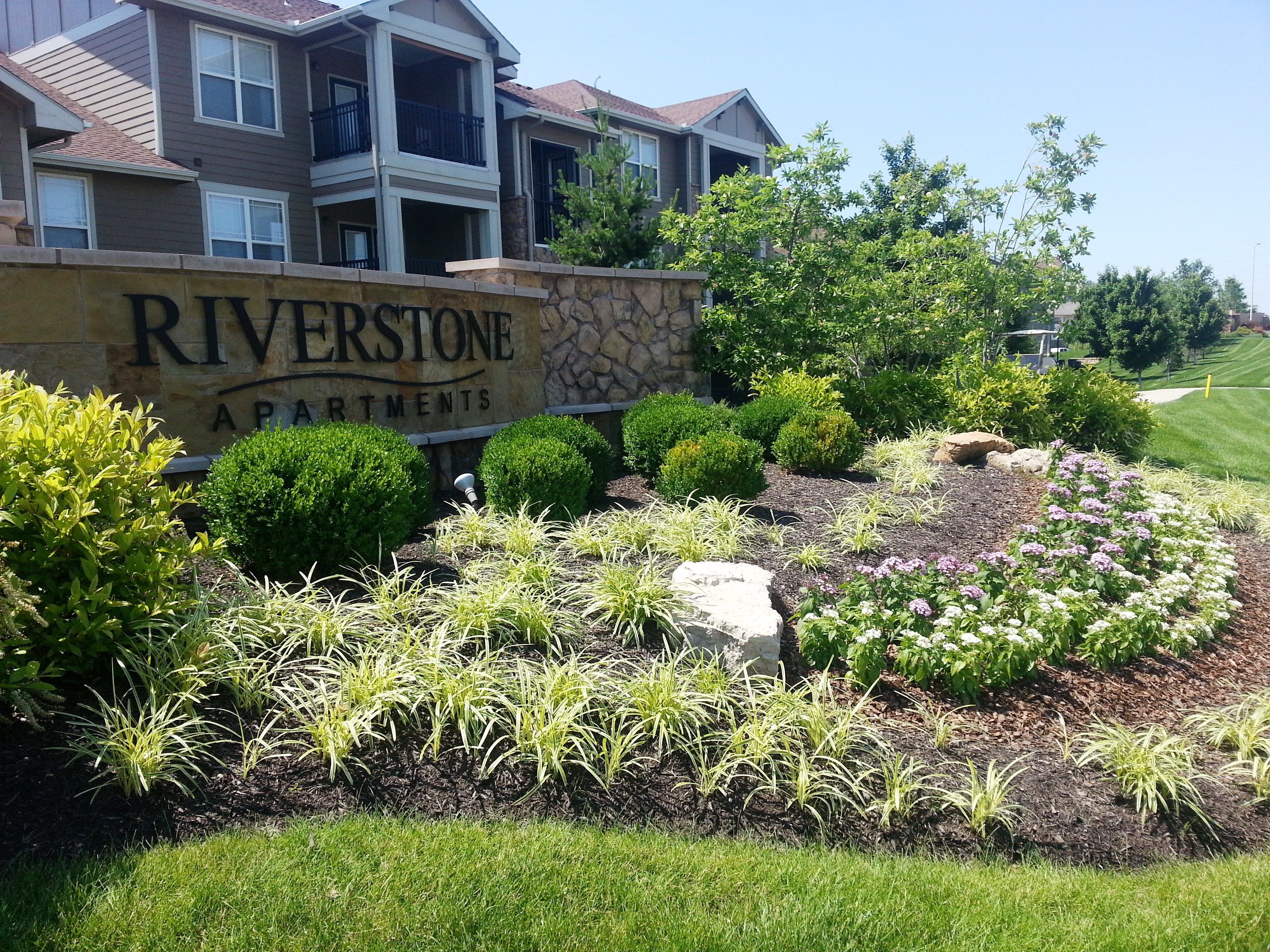 Riverstone Apartments image 12