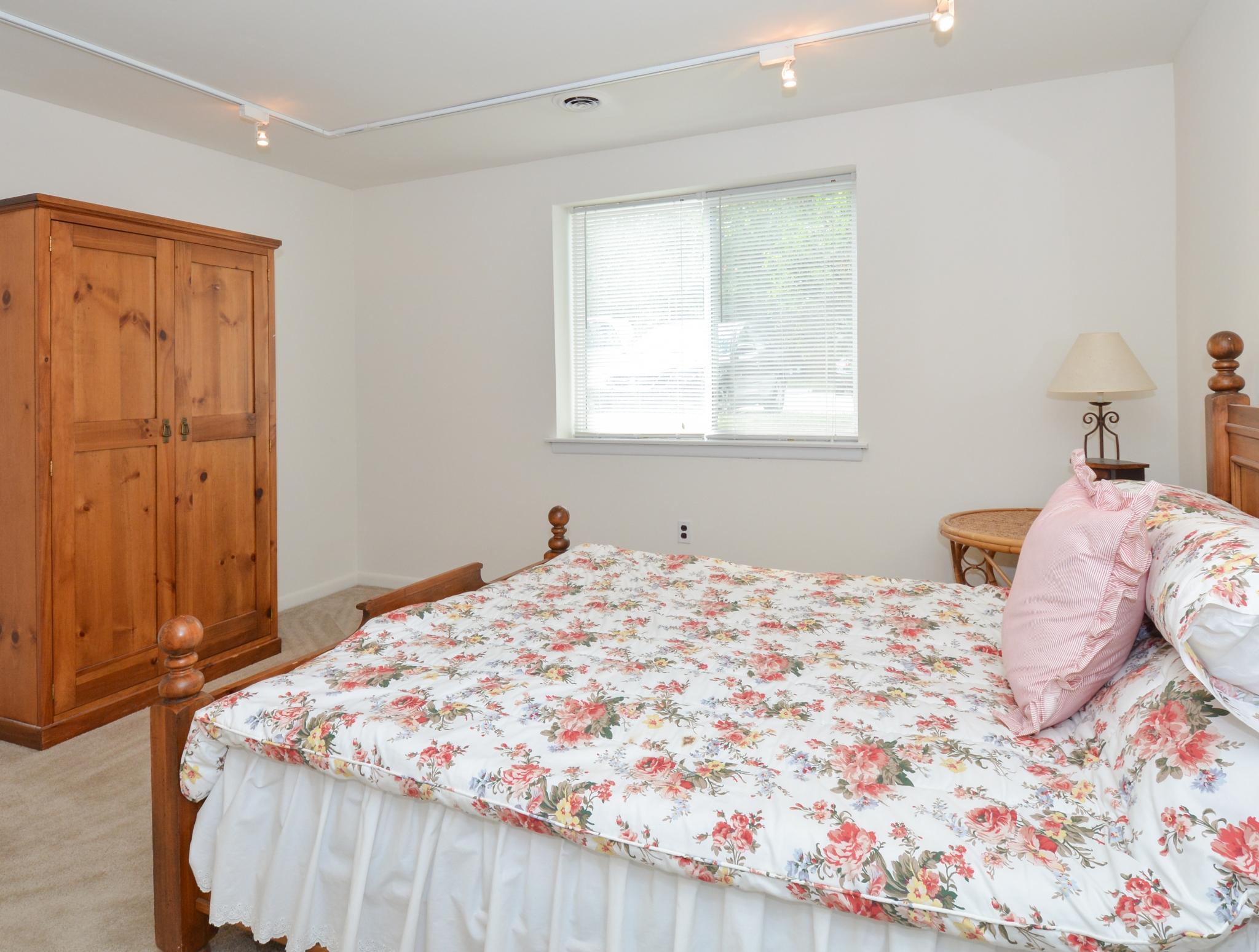 OakTree Apartments image 12