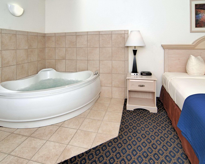 SureStay Hotel by Best Western Falfurrias image 42