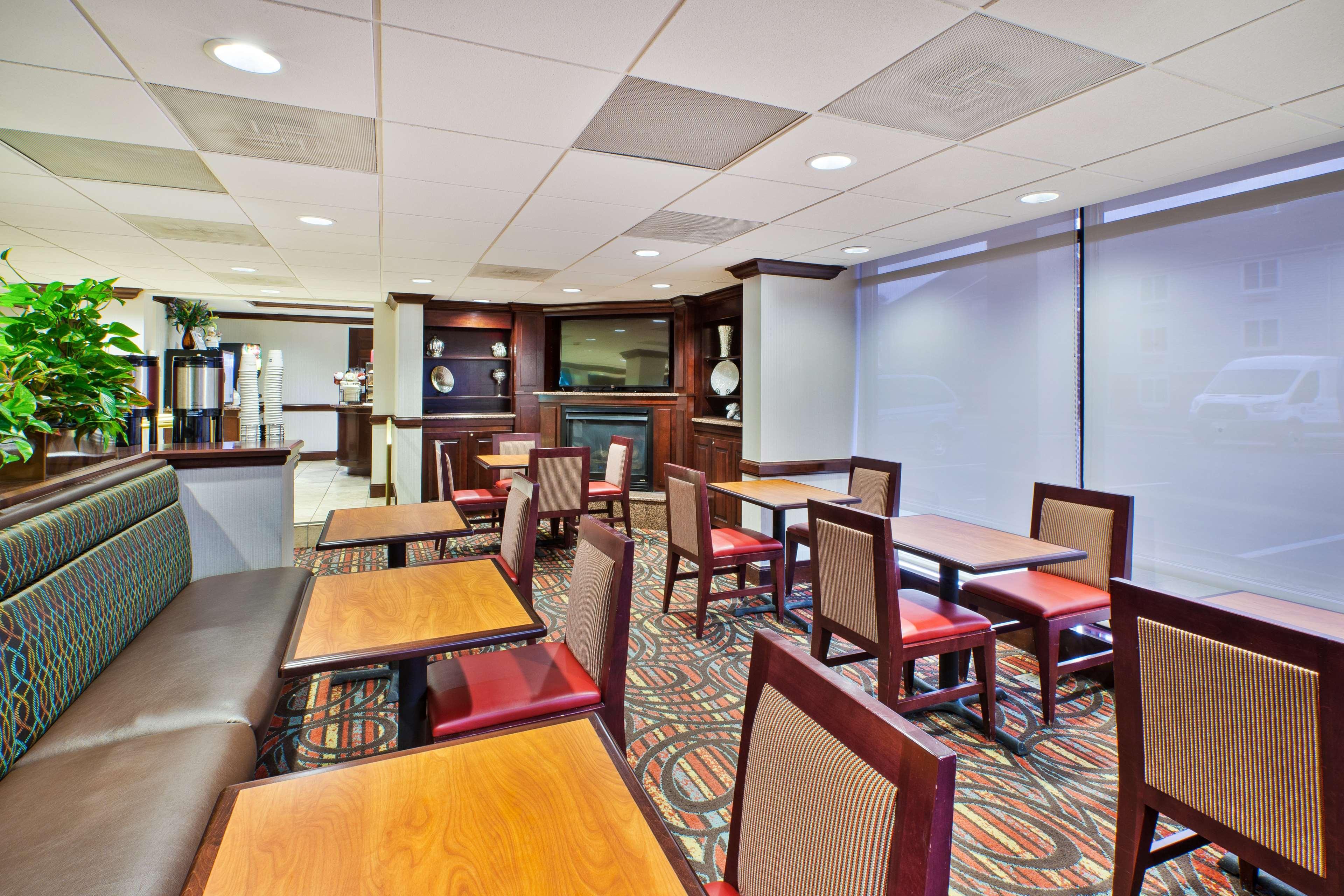Best Western Dulles Airport Inn image 4