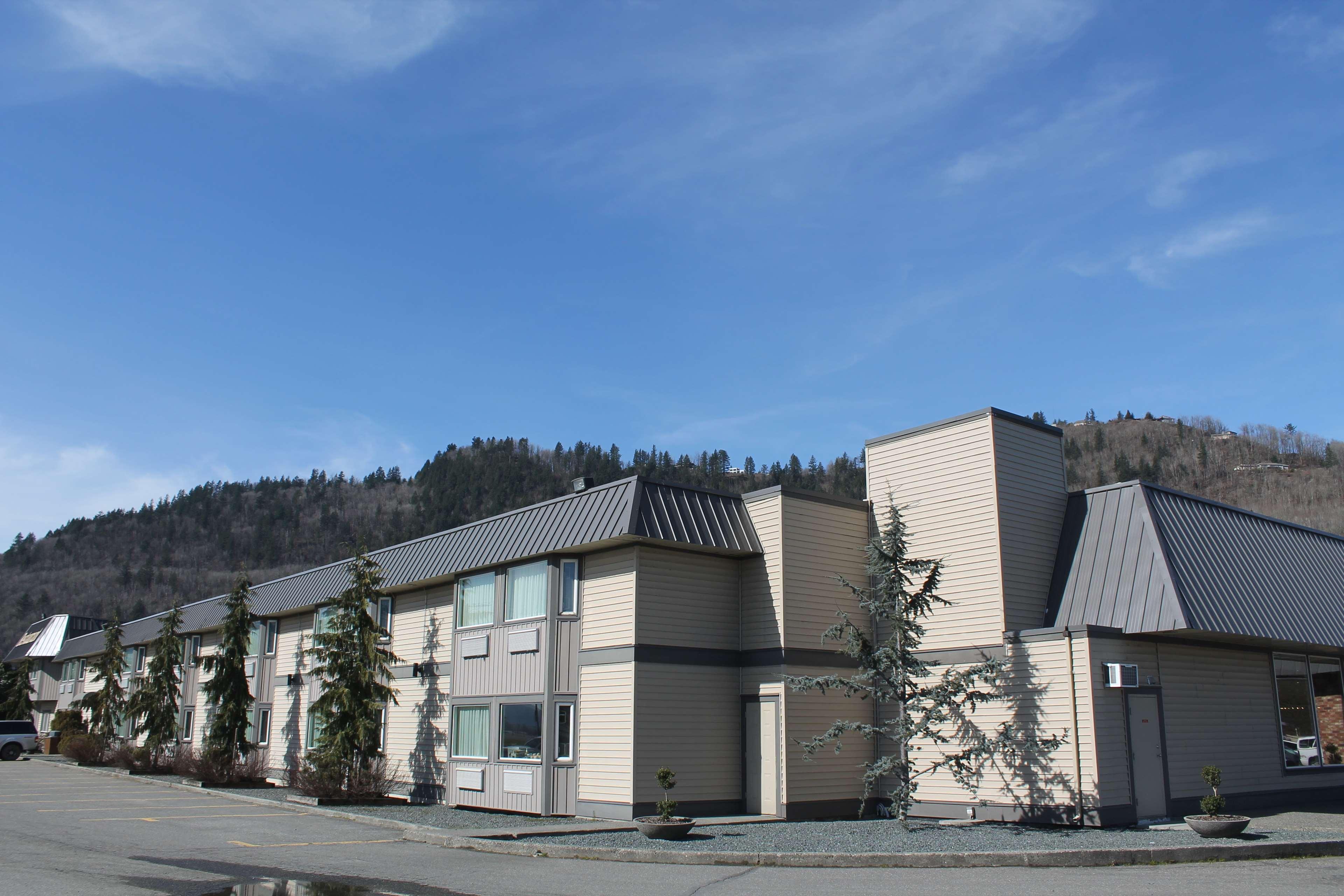 SureStay Hotel by Best Western Chilliwack in Chilliwack: Exterior