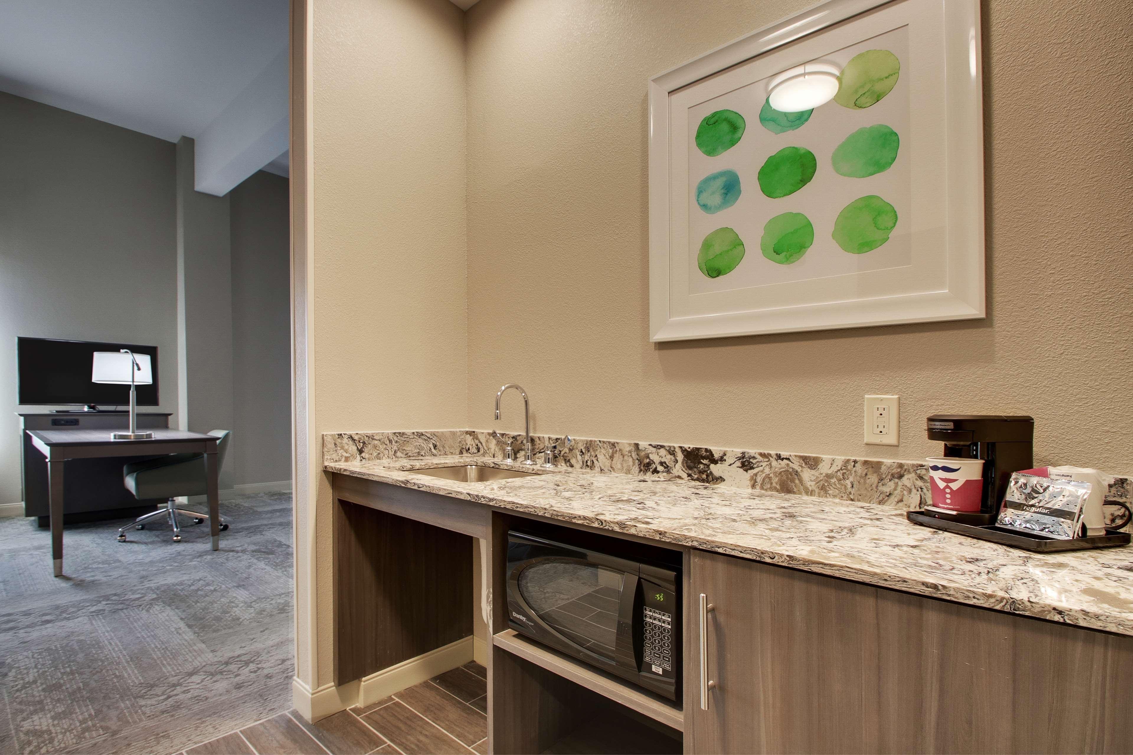 Hampton Inn & Suites Knightdale Raleigh image 28