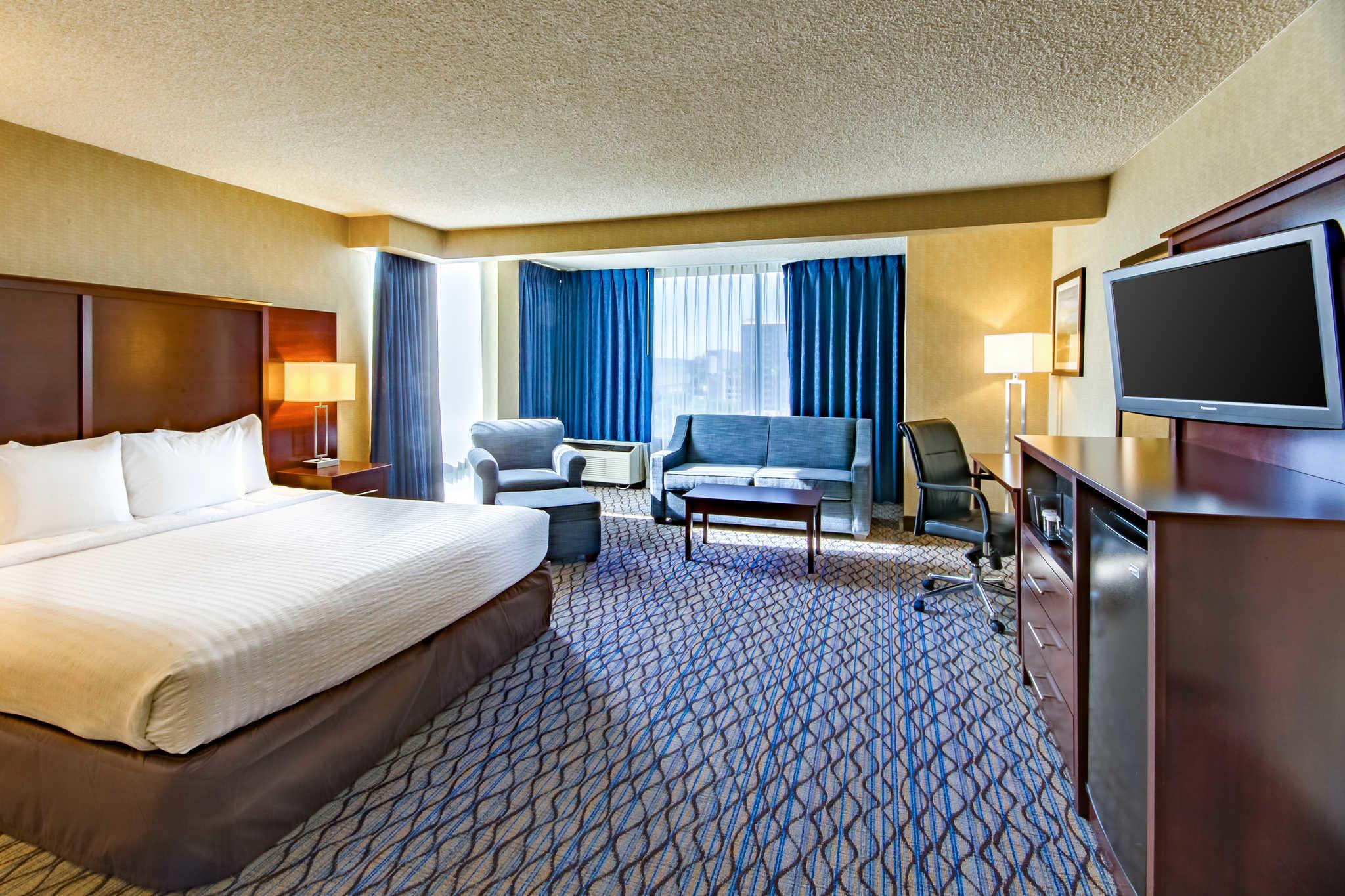Clarion Hotel Anaheim Resort image 7