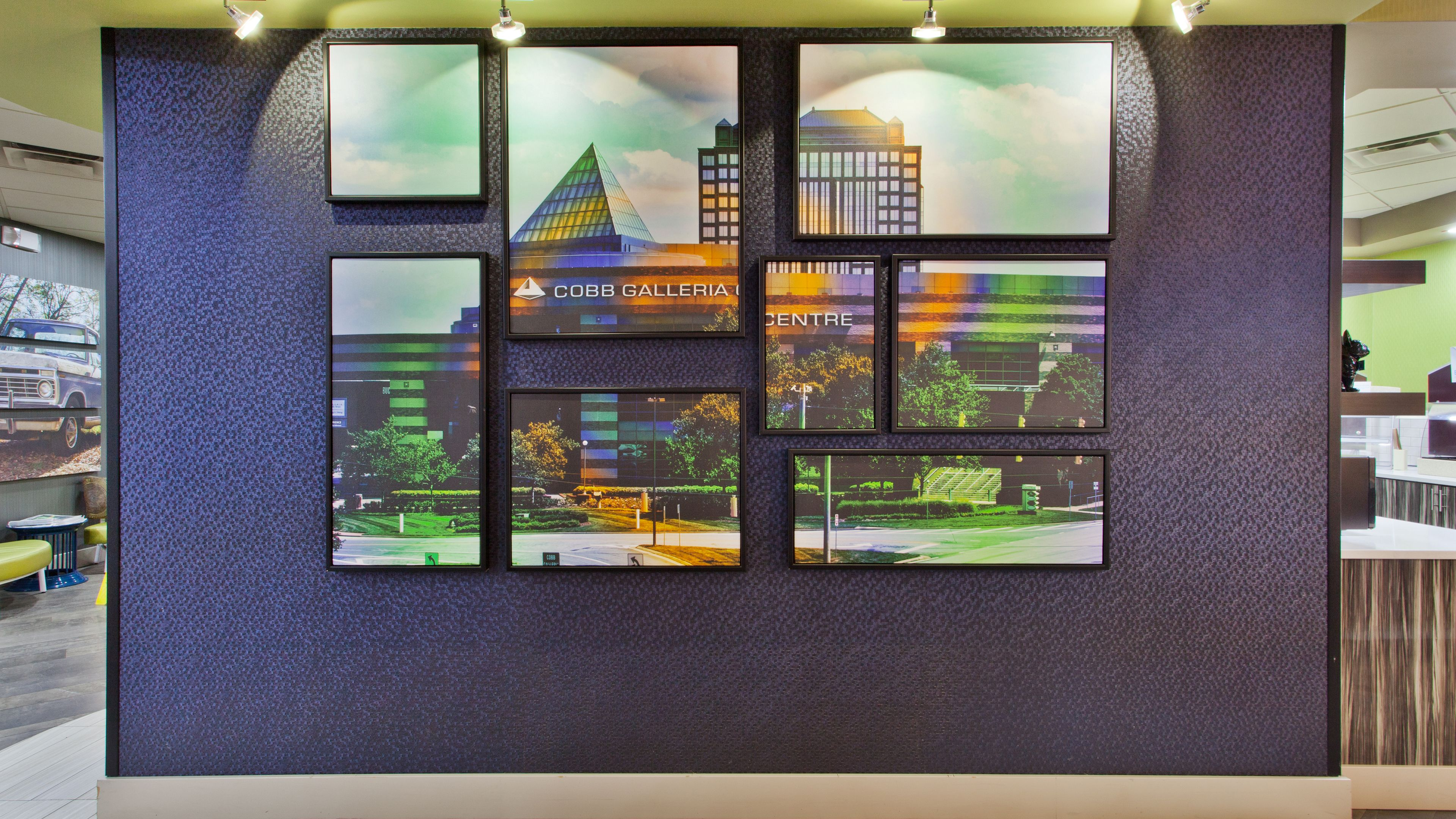 Holiday Inn Express Atlanta Galleria-Ballpark Area image 8