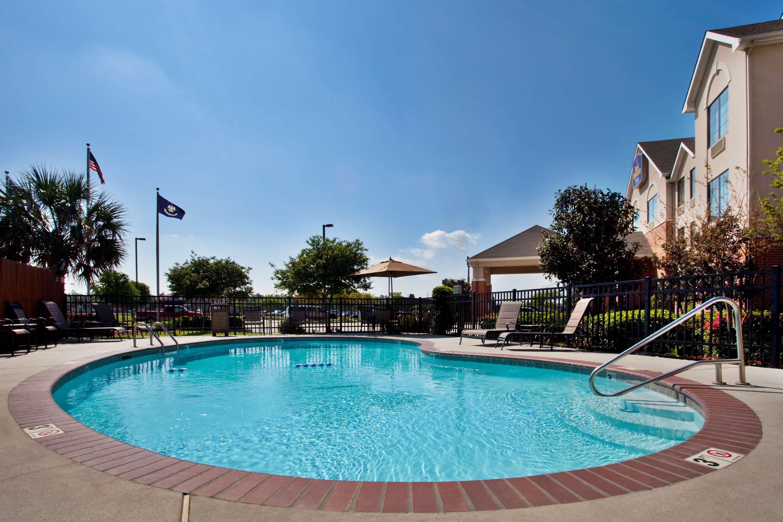 Best Western Plus Executive Hotel & Suites image 2