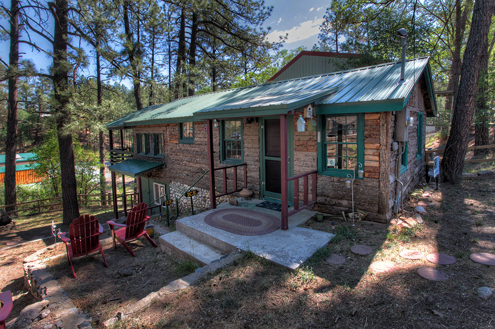 ruidoso cabin retro on the river in ruidoso nm 210