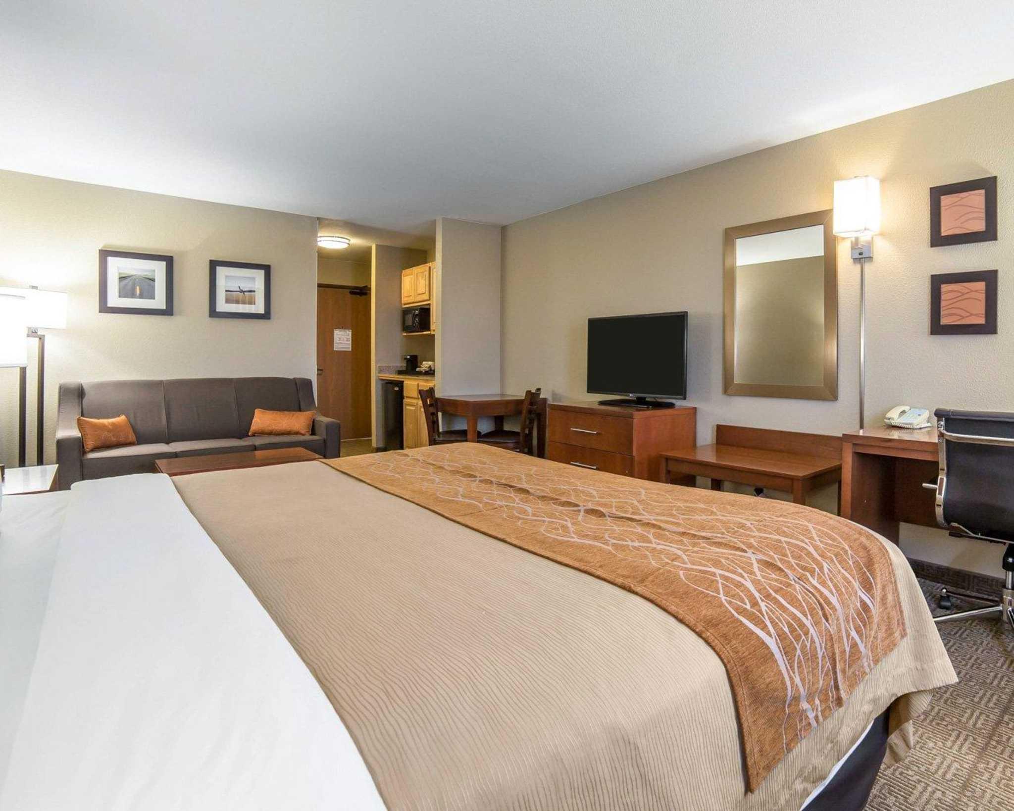 Comfort Inn Evansville-Casper image 29